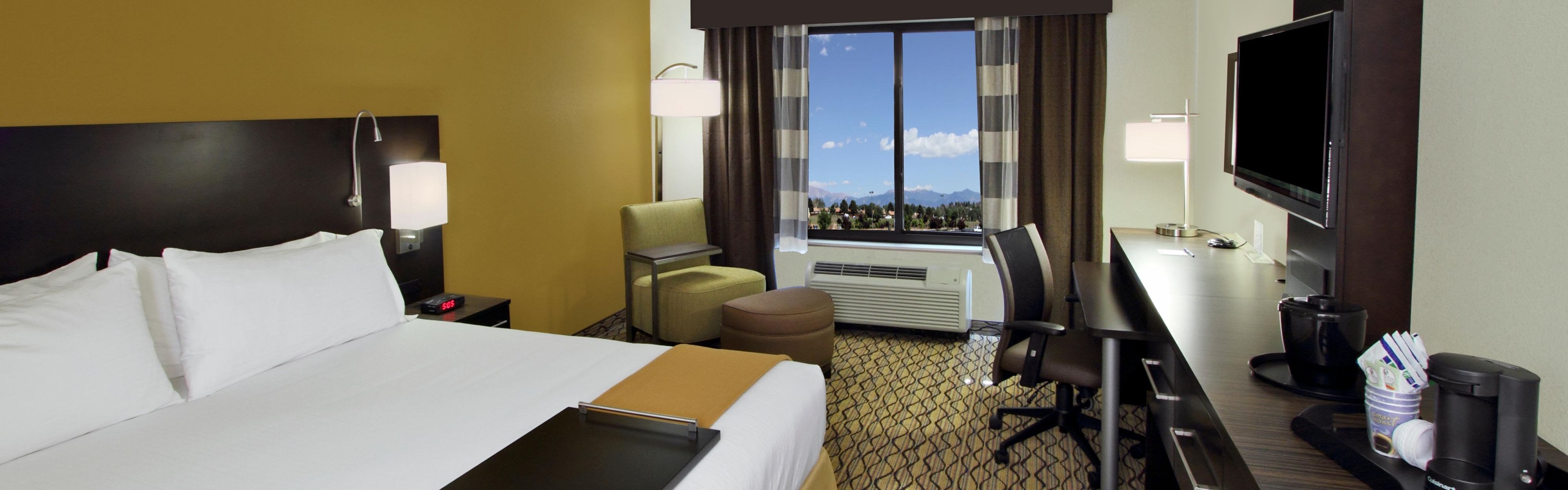Holiday Inn Express & Suites Colorado Springs-First & Main image 1