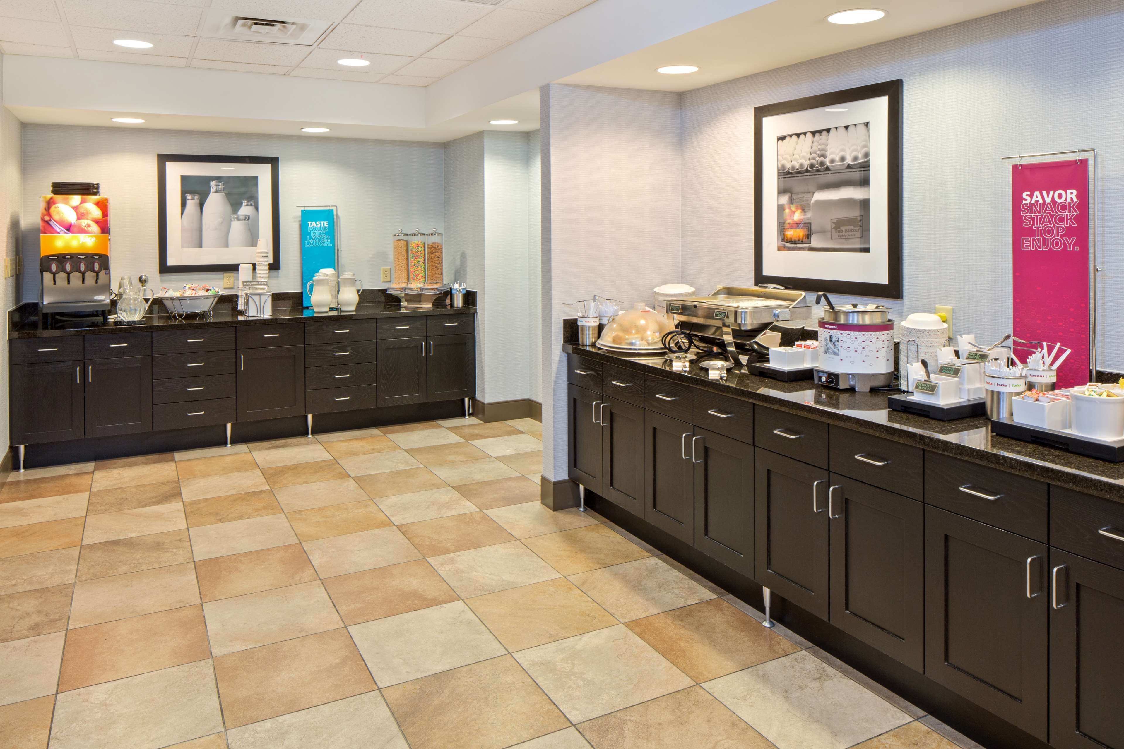 Hampton Inn & Suites Spokane Valley image 14