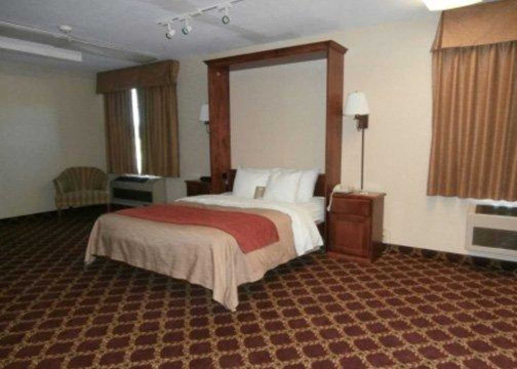 Comfort Inn Splash Harbor image 8