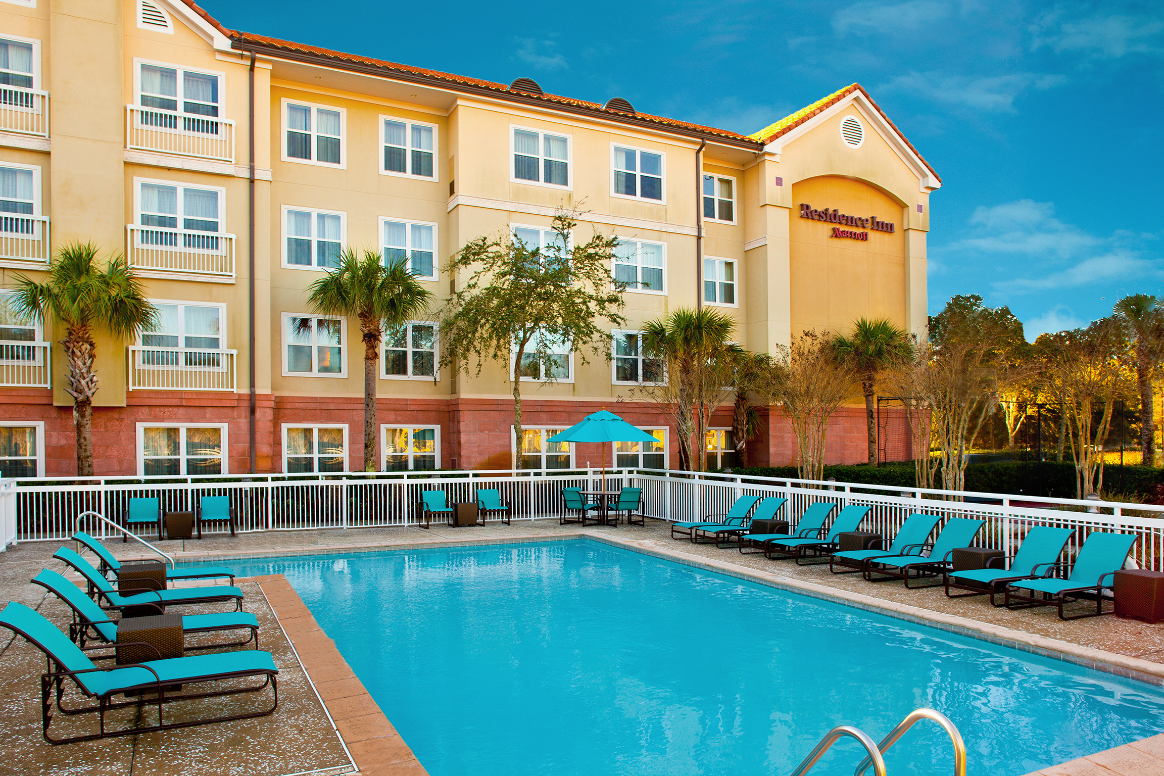 Residence inn sandestin at grand boulevard in destin fl for Mitchell s fish market destin