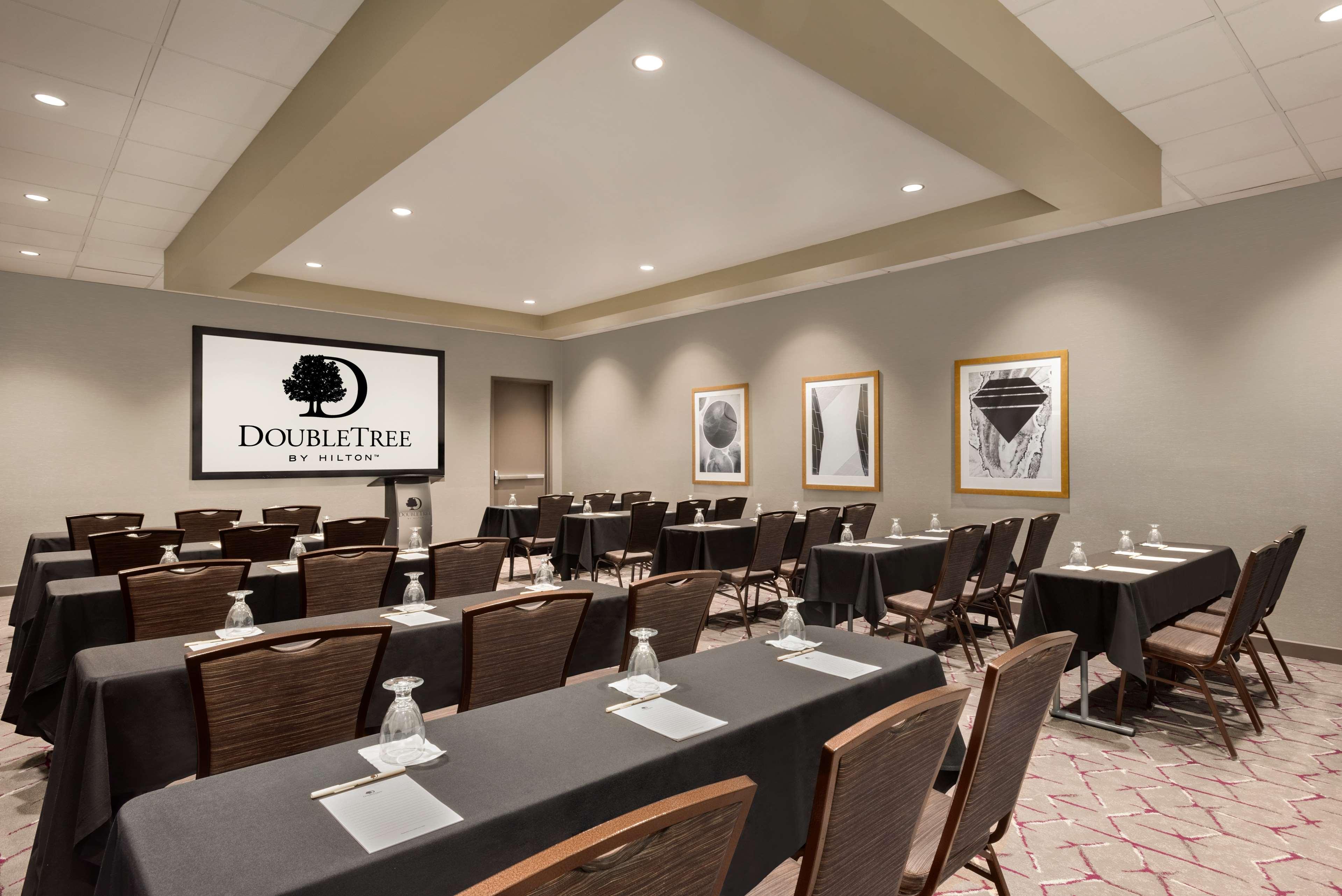 DoubleTree by Hilton St. Paul East image 38