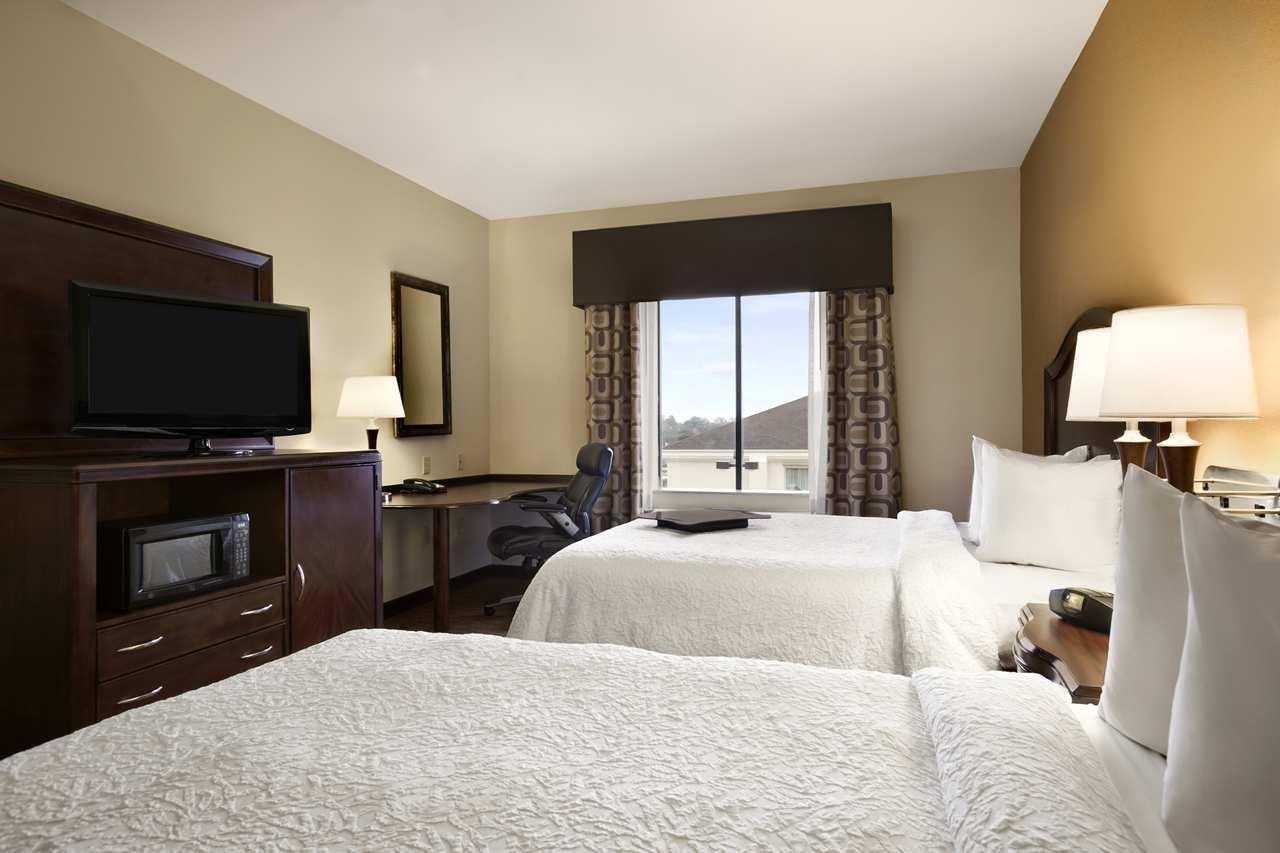 Hampton Inn & Suites Conroe - I-45 North image 5