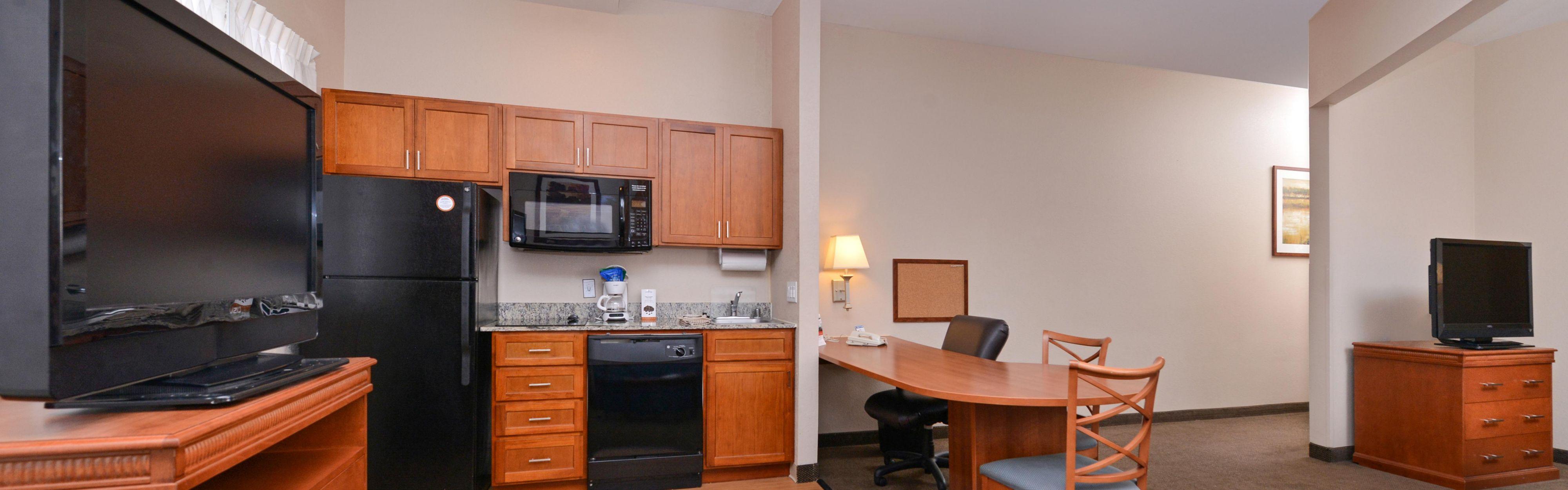 Candlewood Suites San Diego image 1