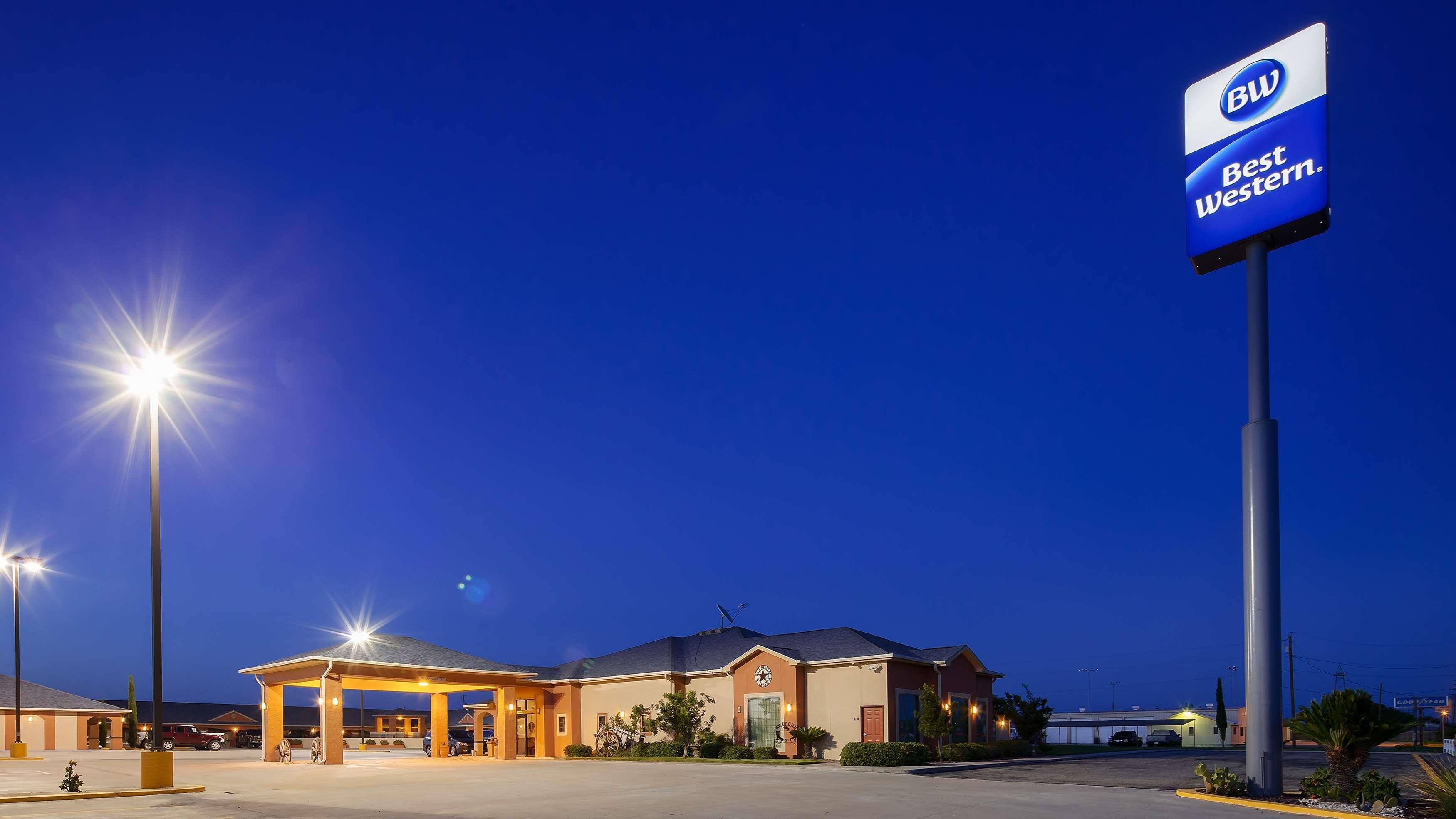 Best Western Windwood Inn & Suites image 1