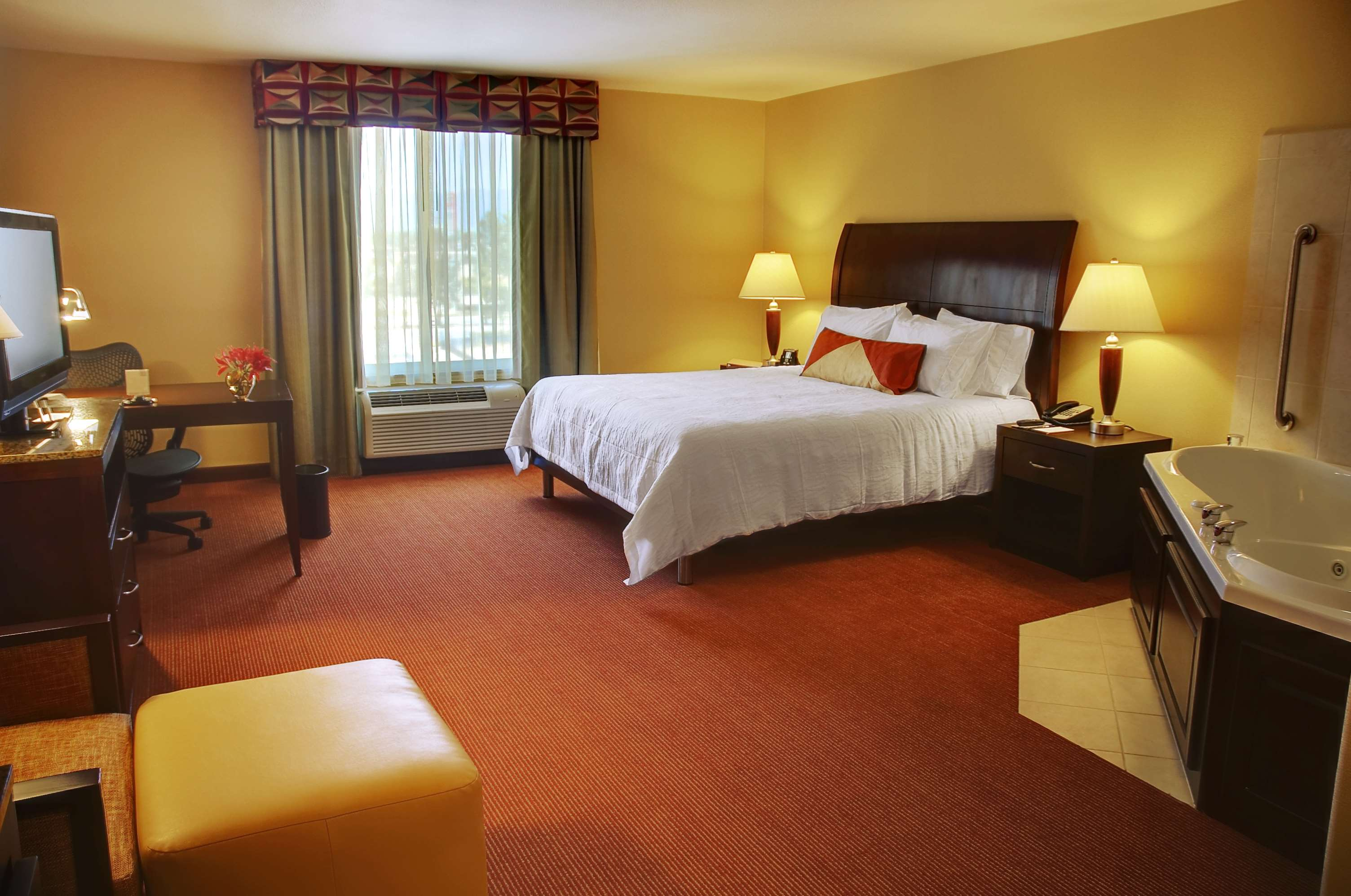 Hilton Garden Inn Fontana image 5