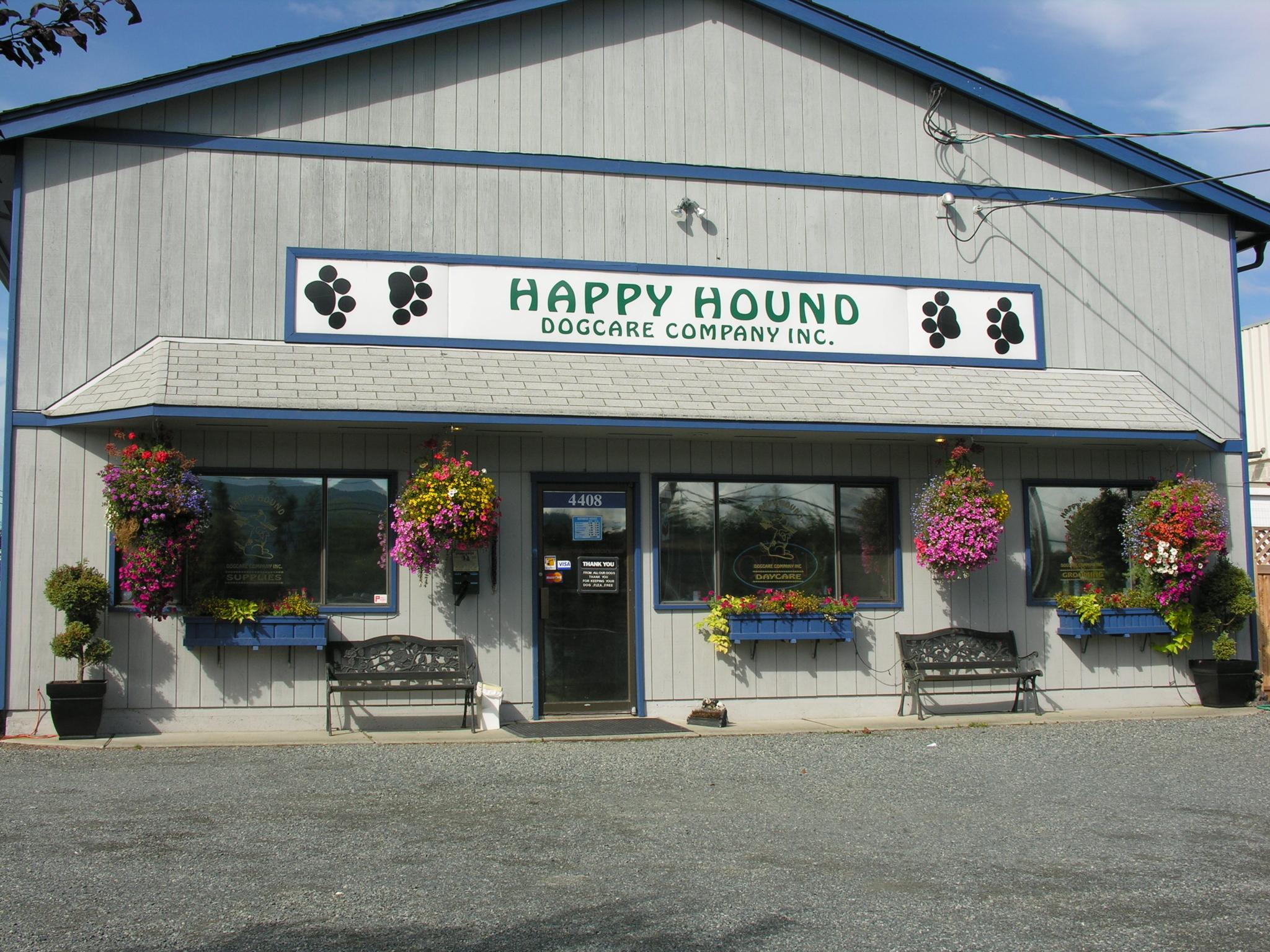Happy Hound Dog Care Co in Nanaimo