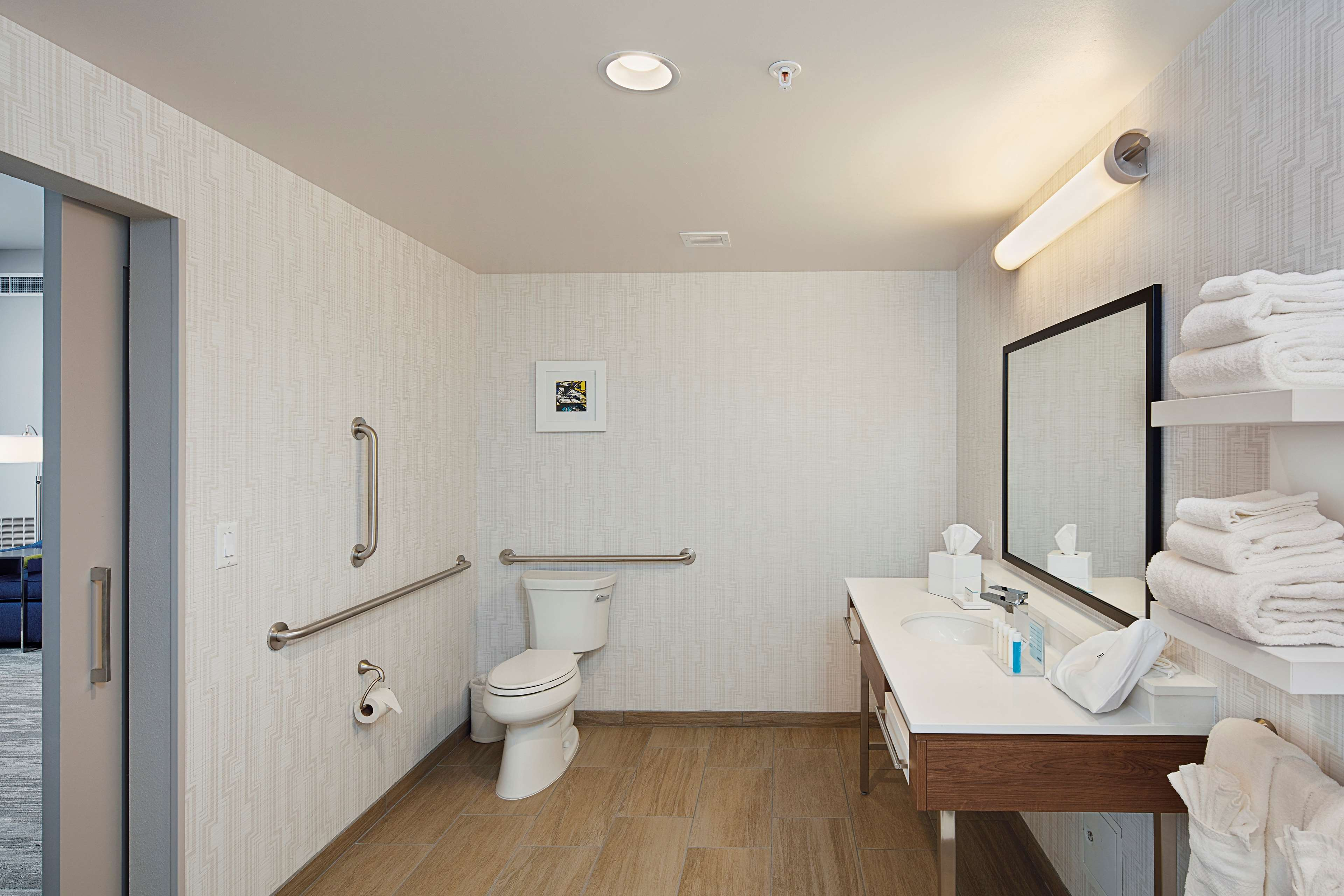 Hampton Inn & Suites Sacramento at CSUS image 45