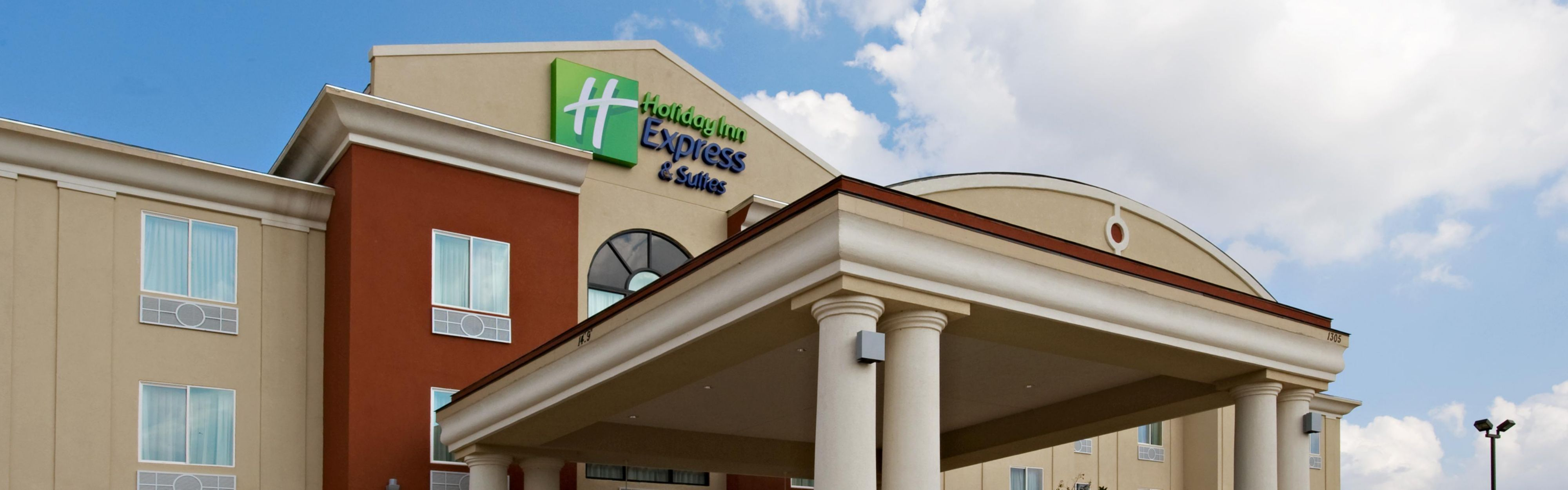 Holiday Inn Express & Suites Snyder image 0