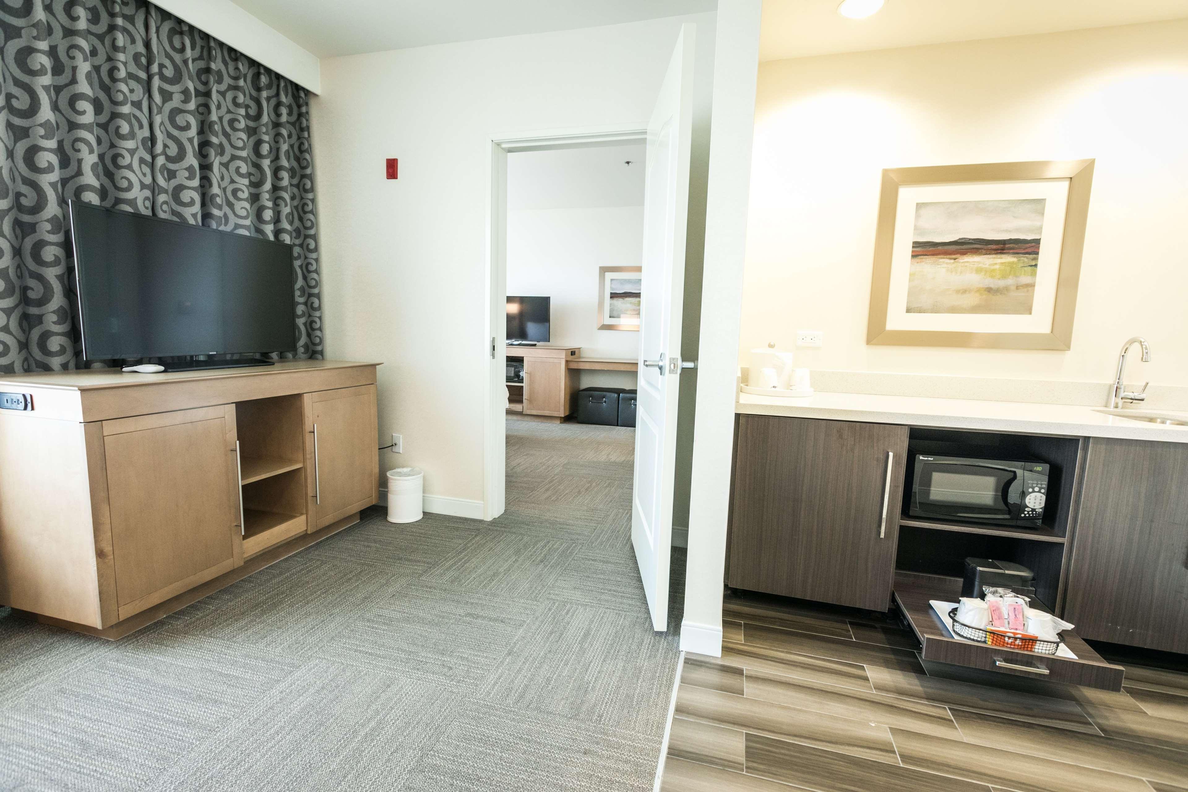Hampton Inn & Suites Tempe - Phoenix Airport image 39
