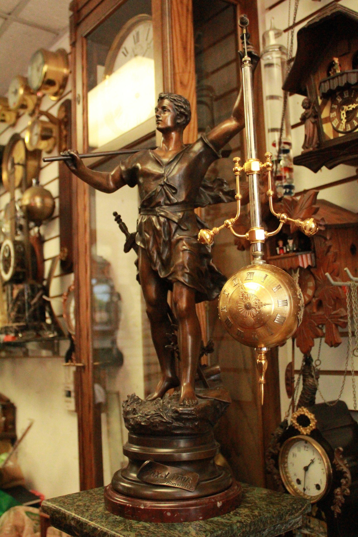 Antique Clock Gallery image 9