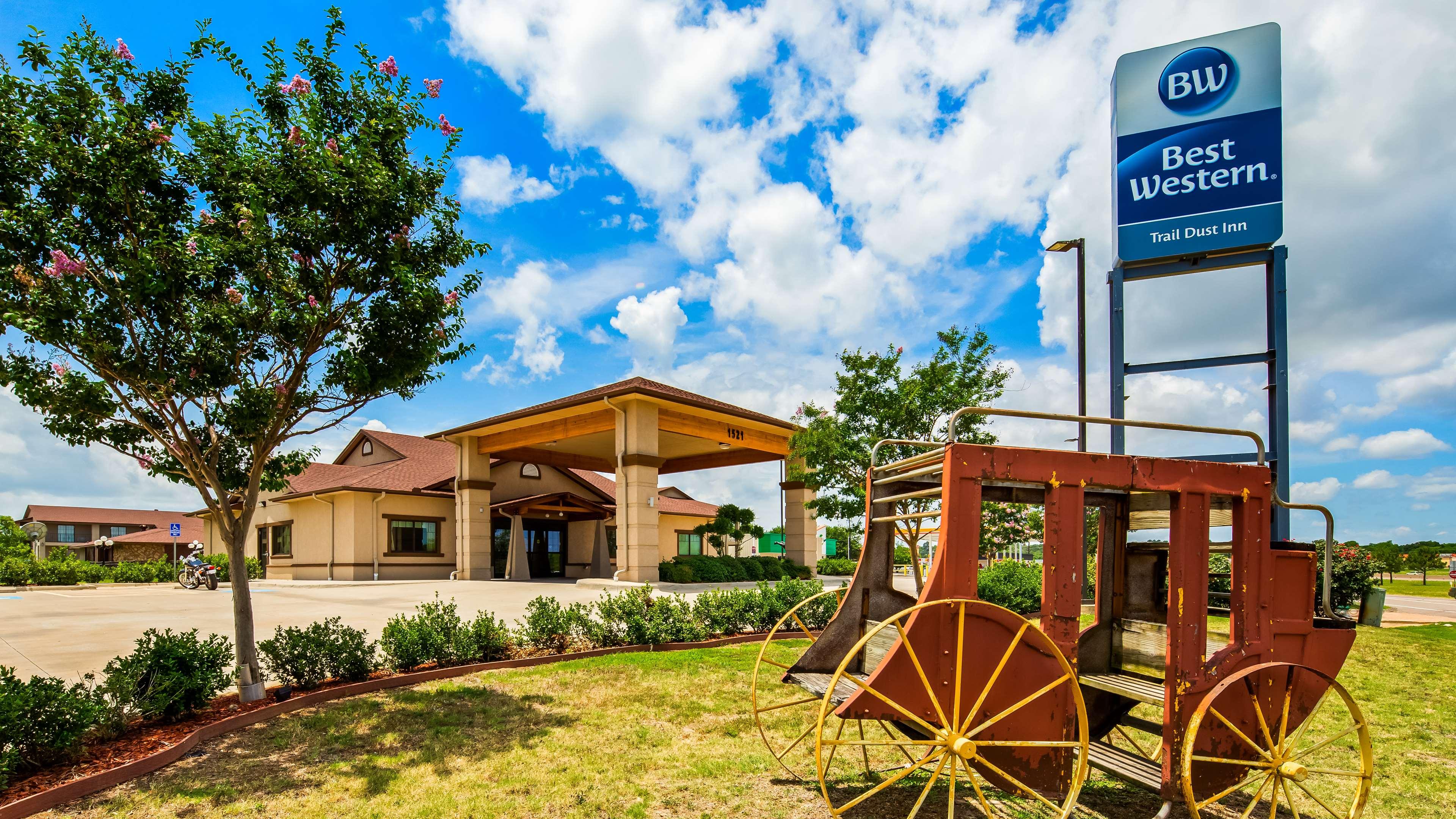 Best Western Trail Dust Inn & Suites image 0