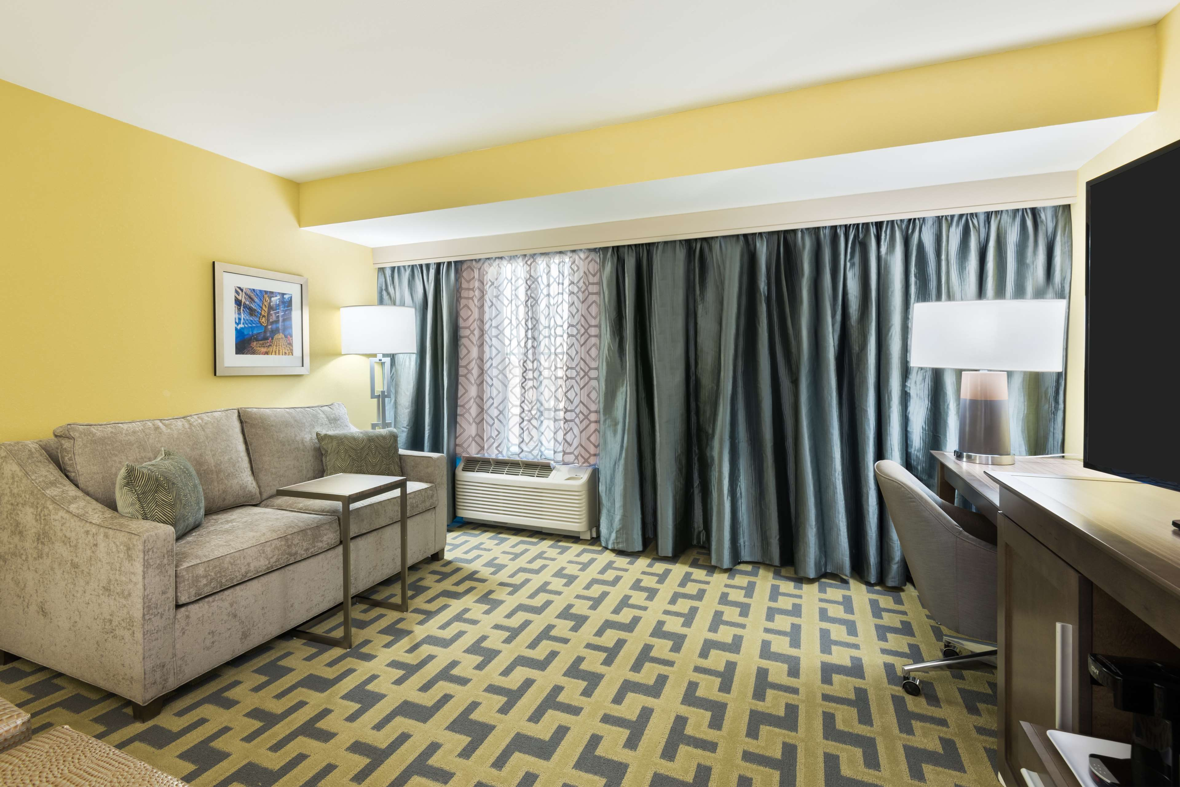 Hampton Inn & Suites Tampa Airport Avion Park Westshore image 15