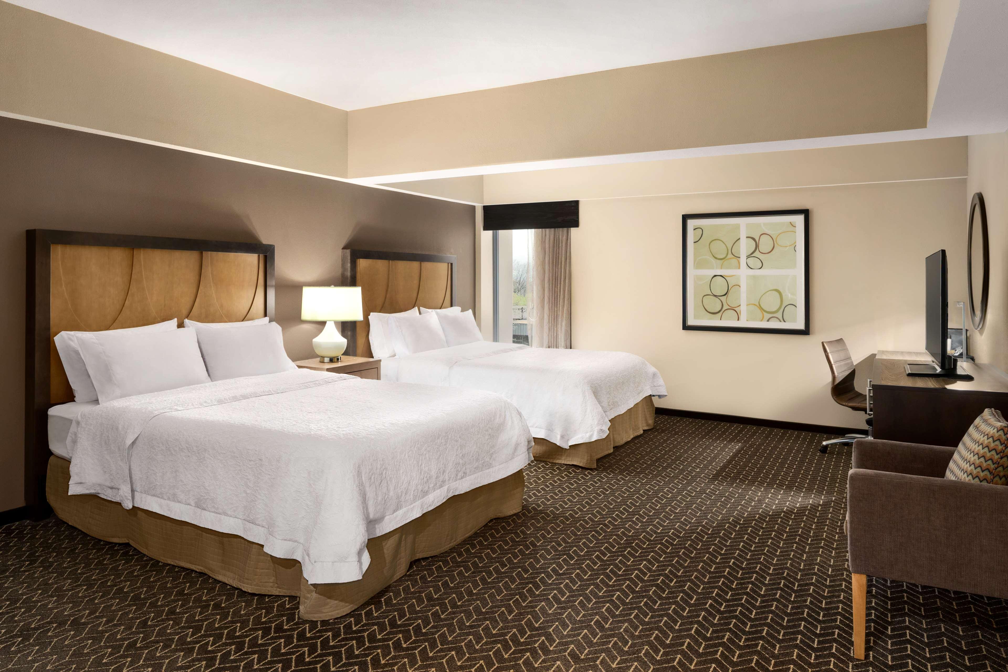 Hampton Inn and Suites Clayton/St Louis-Galleria Area image 26
