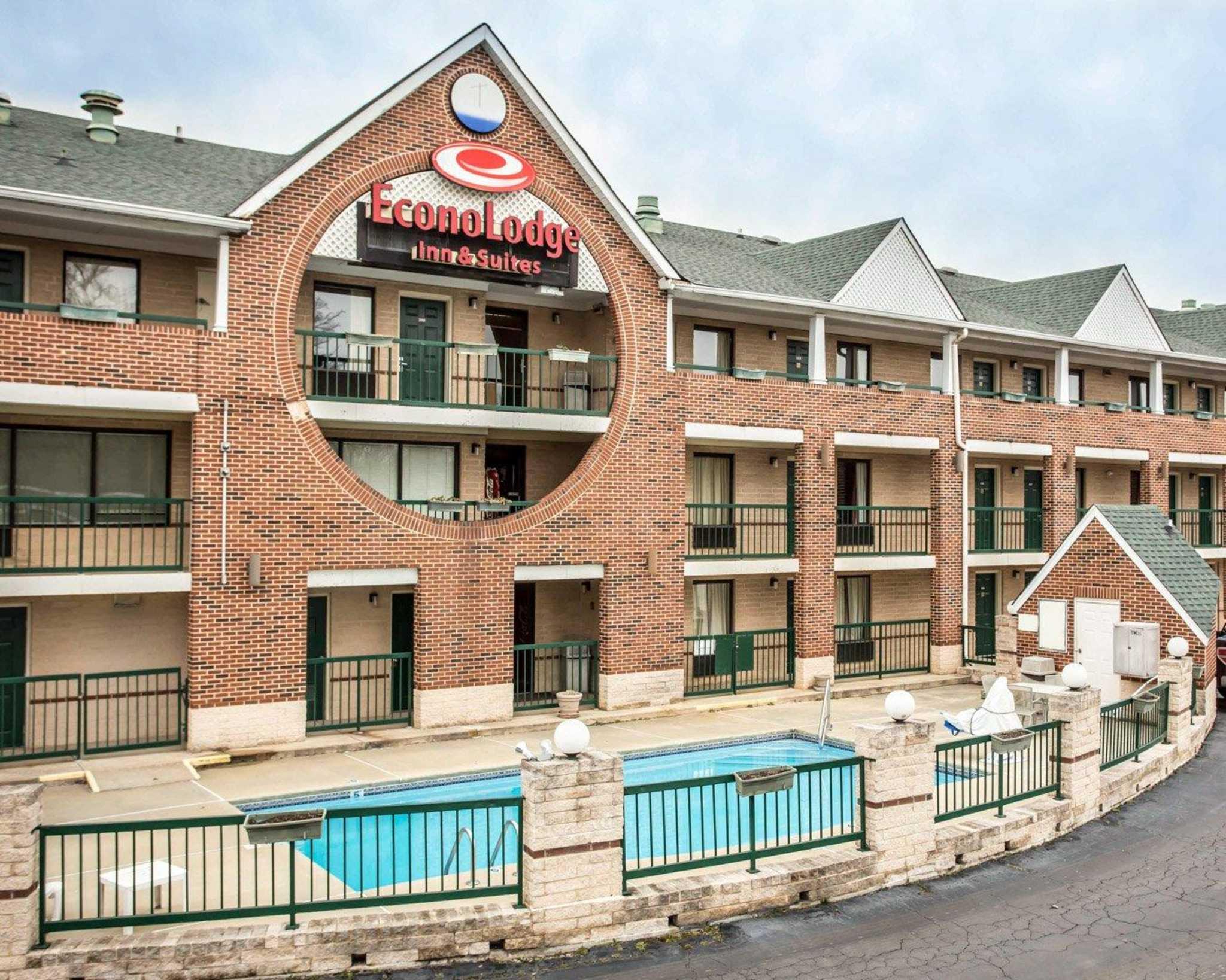 Econo Lodge & Suites Lake Norman image 13