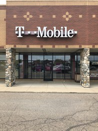 Exterior photo of T-Mobile Store at Baldwin Rd & I-75, Auburn Hills, MI