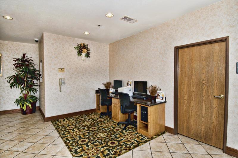 Best Western Club House Inn & Suites image 1