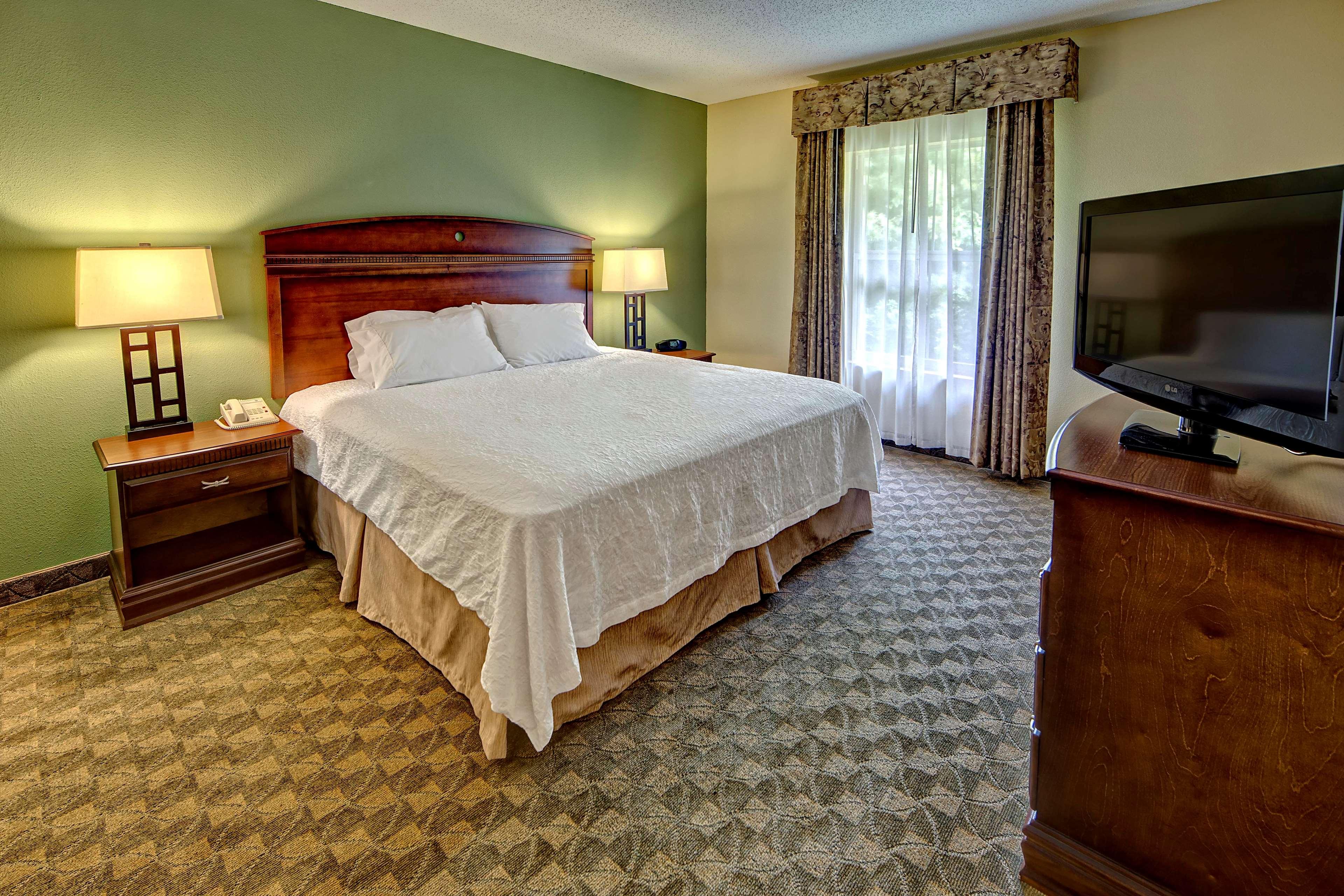 Hampton Inn & Suites Cashiers-Sapphire Valley image 36