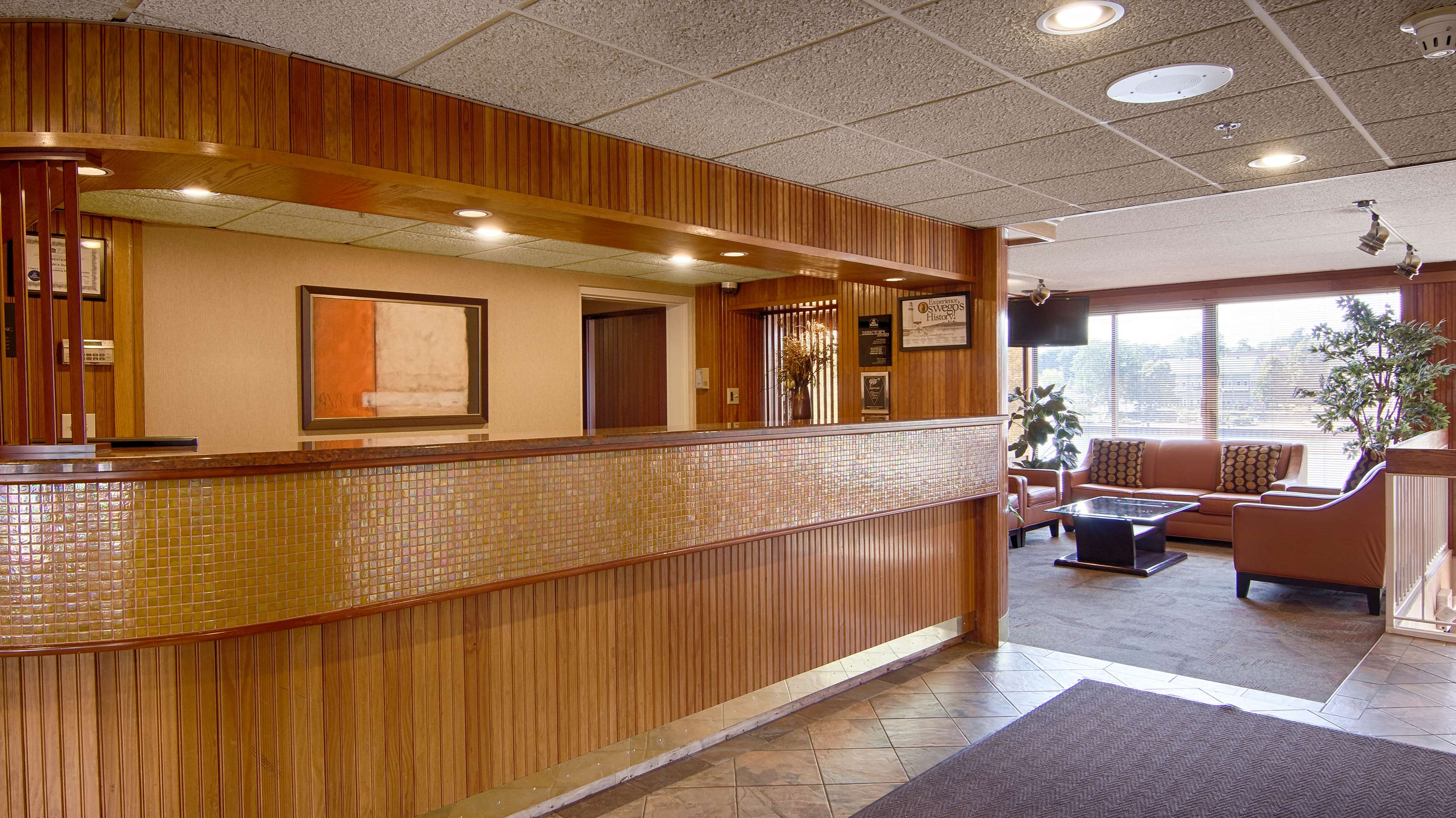 Best Western Plus Oswego Hotel and Conference Center image 2