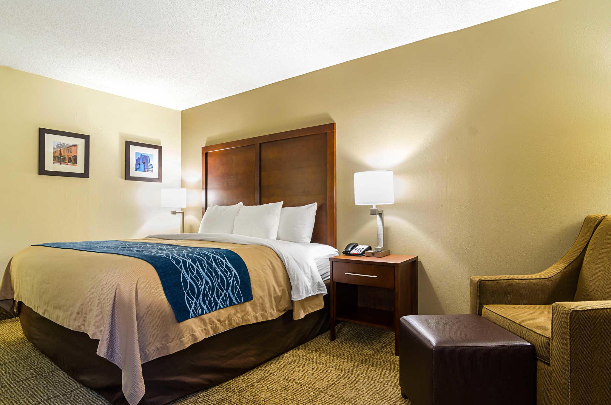 Comfort Inn & Suites Duke University-Downtown image 15