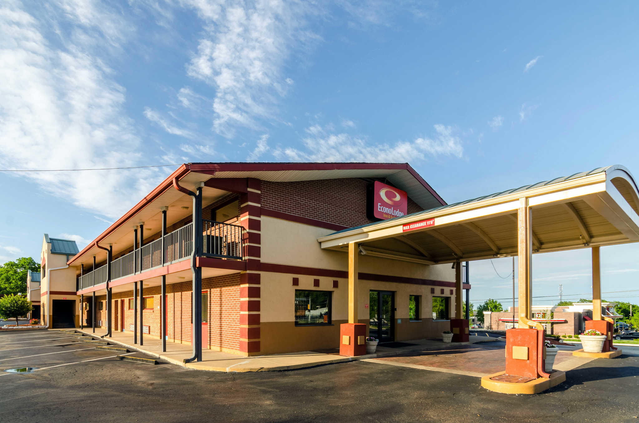 Econo Lodge  Inn & Suites I-35 at Shawnee Mission image 3
