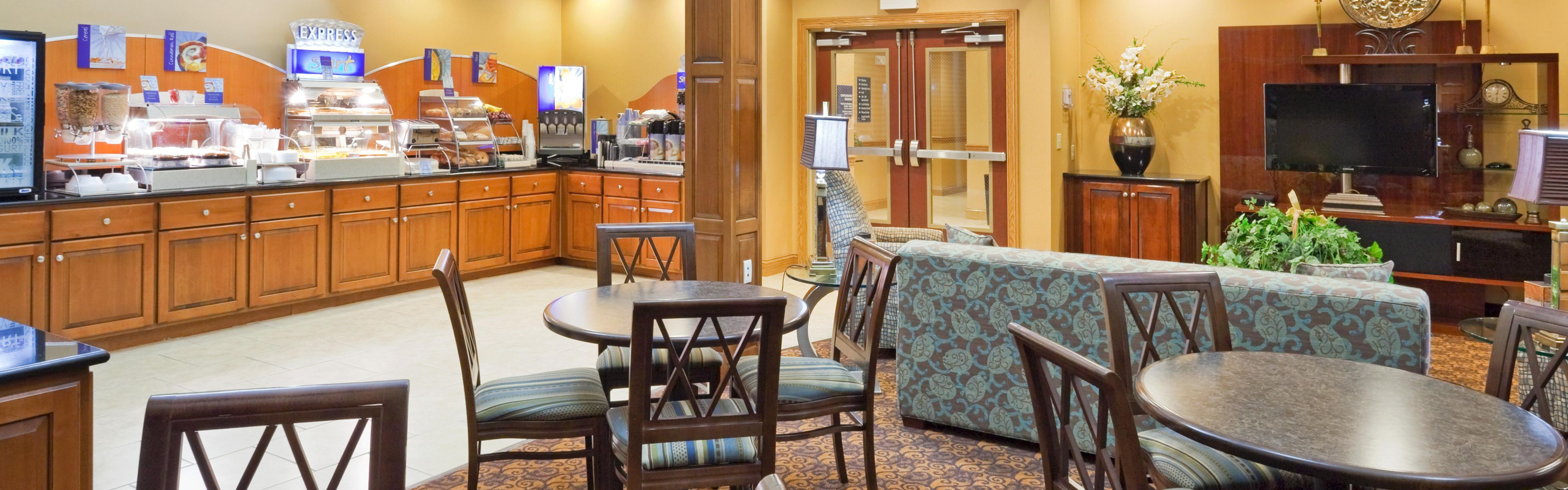Holiday Inn Express & Suites Somerset Central image 3