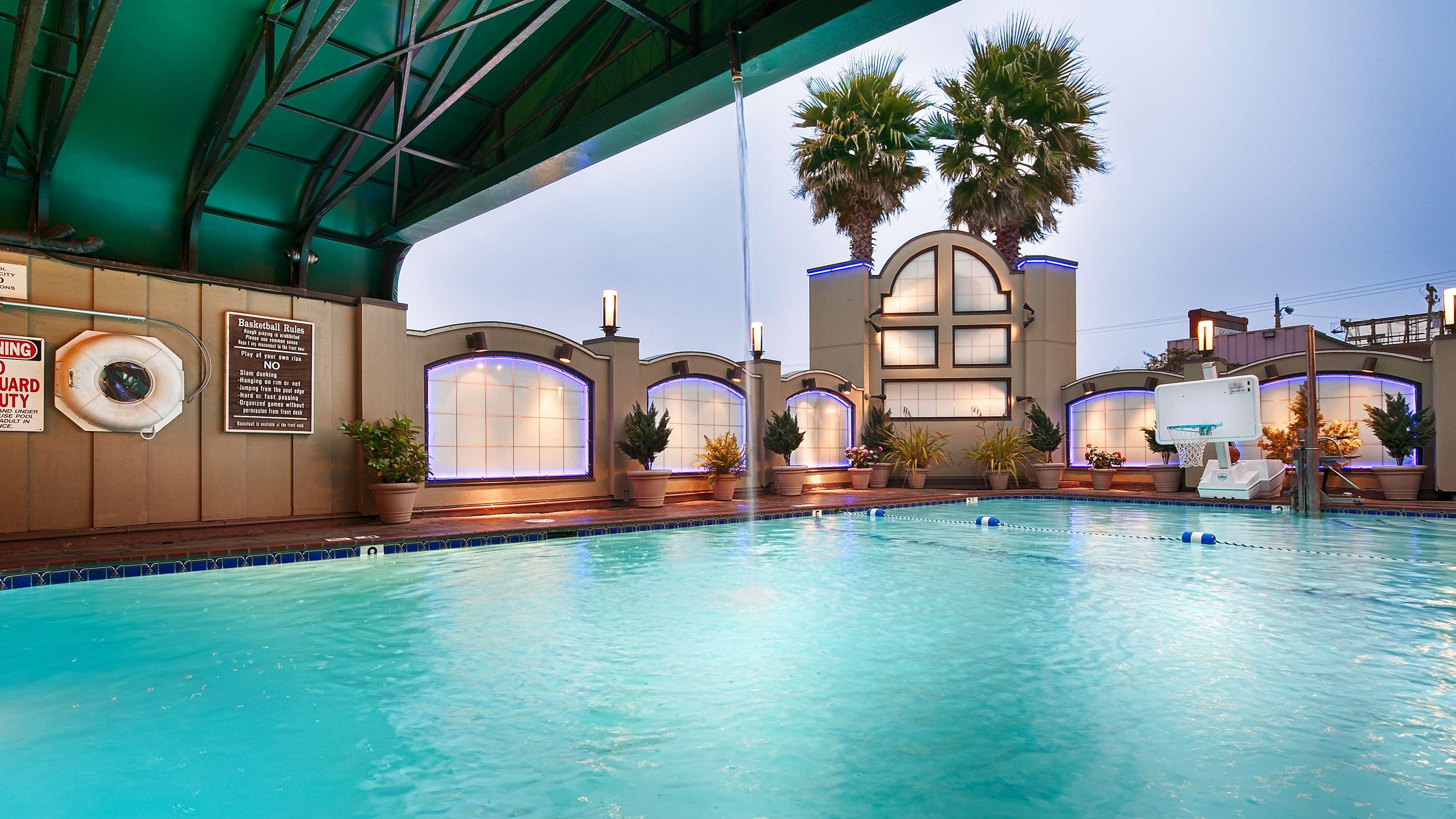 Best Western Plus Humboldt Bay Inn image 3