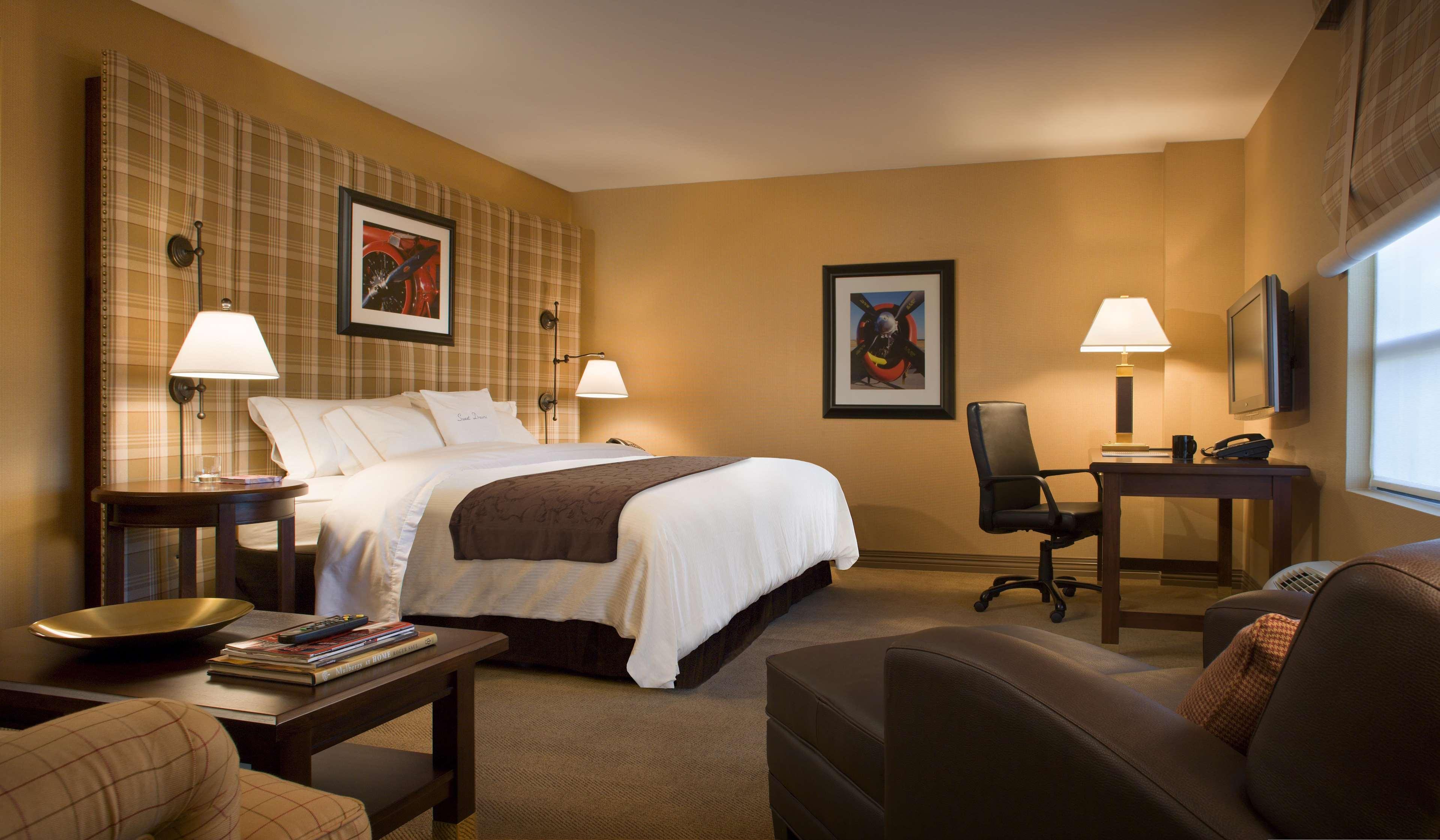 DoubleTree by Hilton Hotel Cincinnati Airport image 0