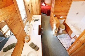 Hidden Hollow Cabins and Lodging image 1