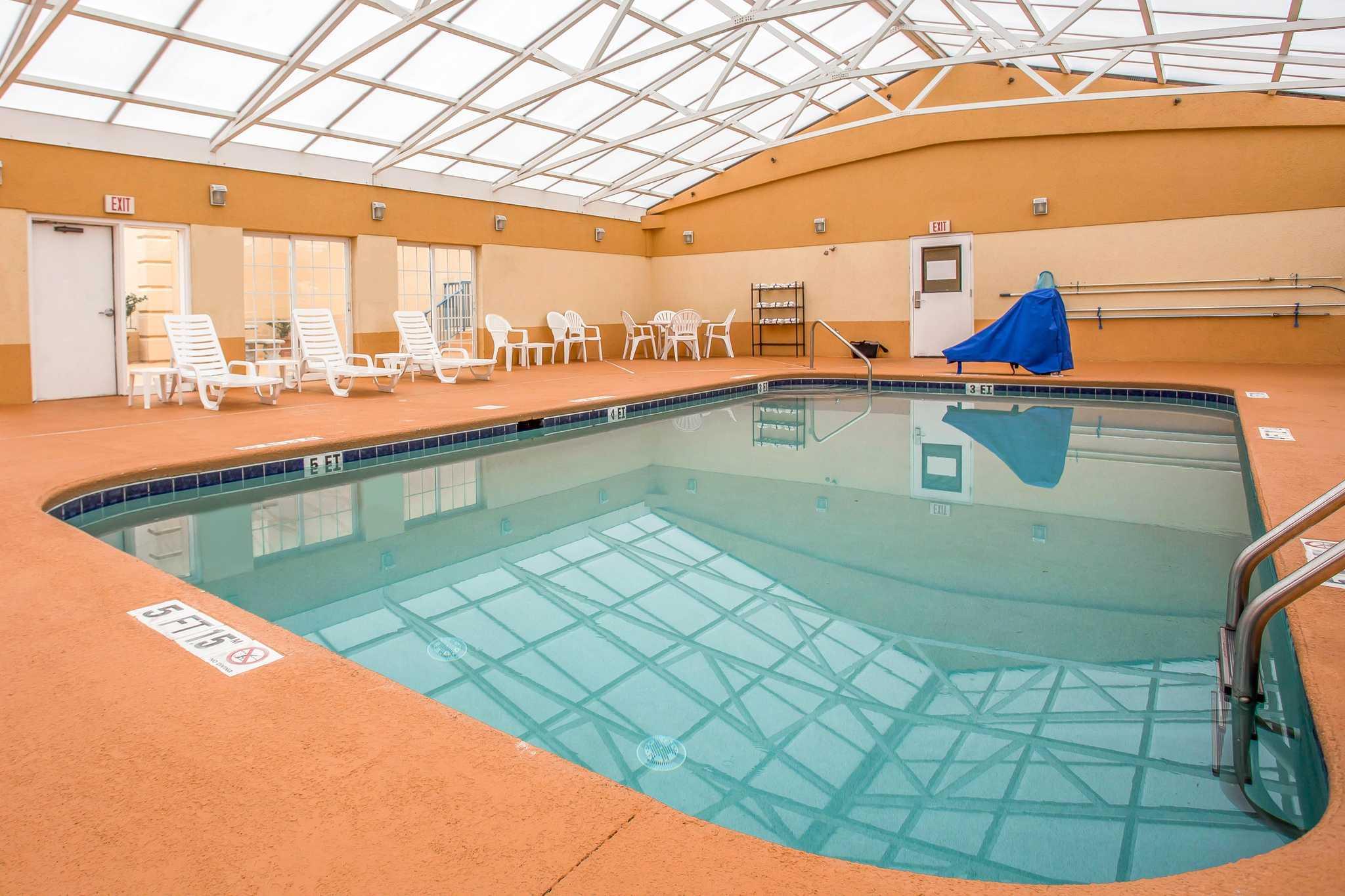 Comfort Inn & Suites Ft.Jackson Maingate image 12