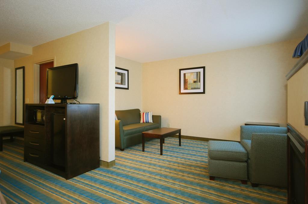 Best Western Plus Berkshire Hills Inn & Suites image 22