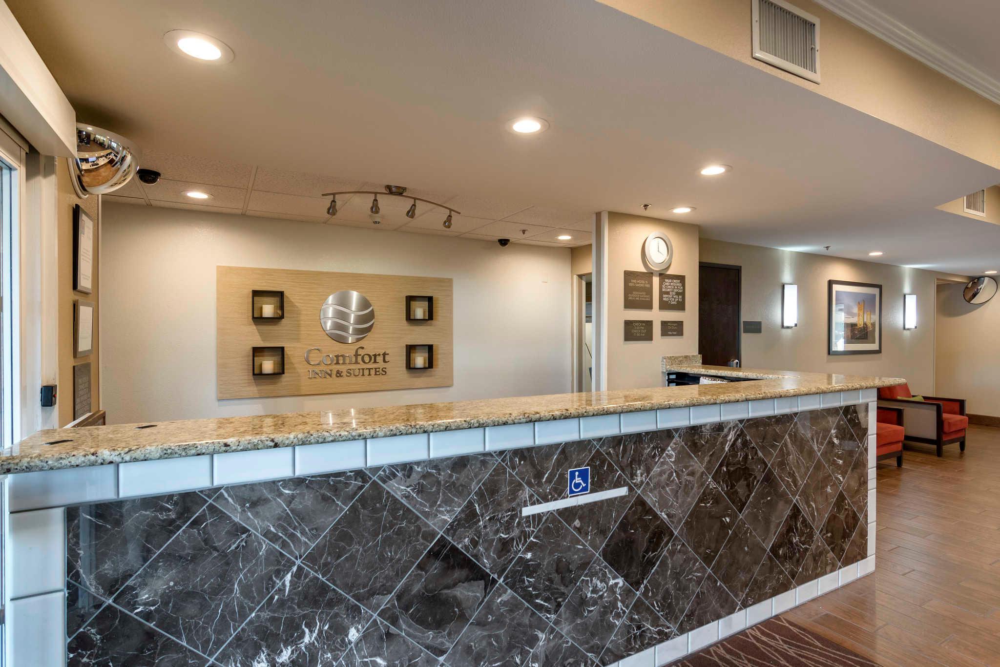 Comfort Inn & Suites Sacramento - University Area image 6