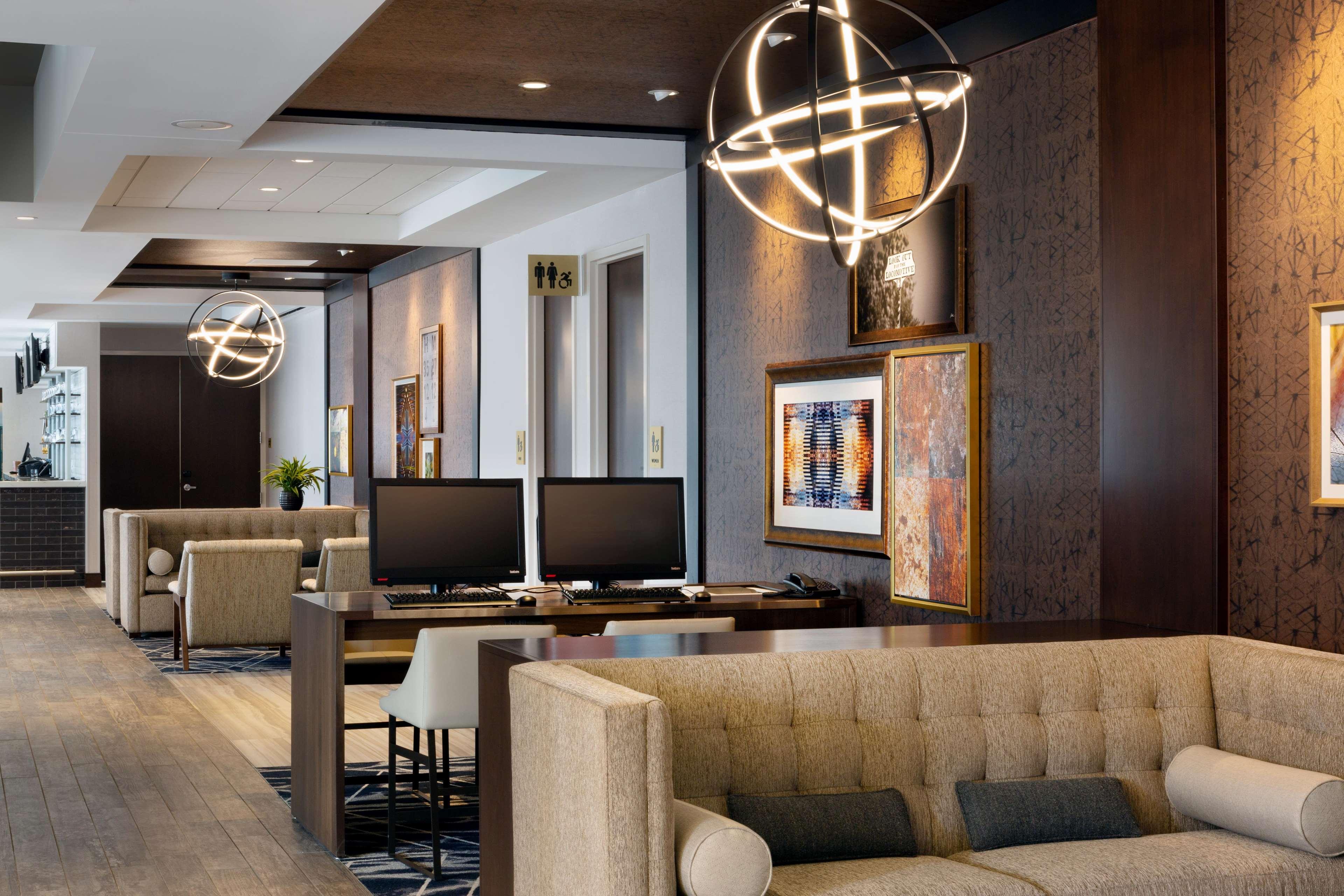 DoubleTree by Hilton Jamestown image 4