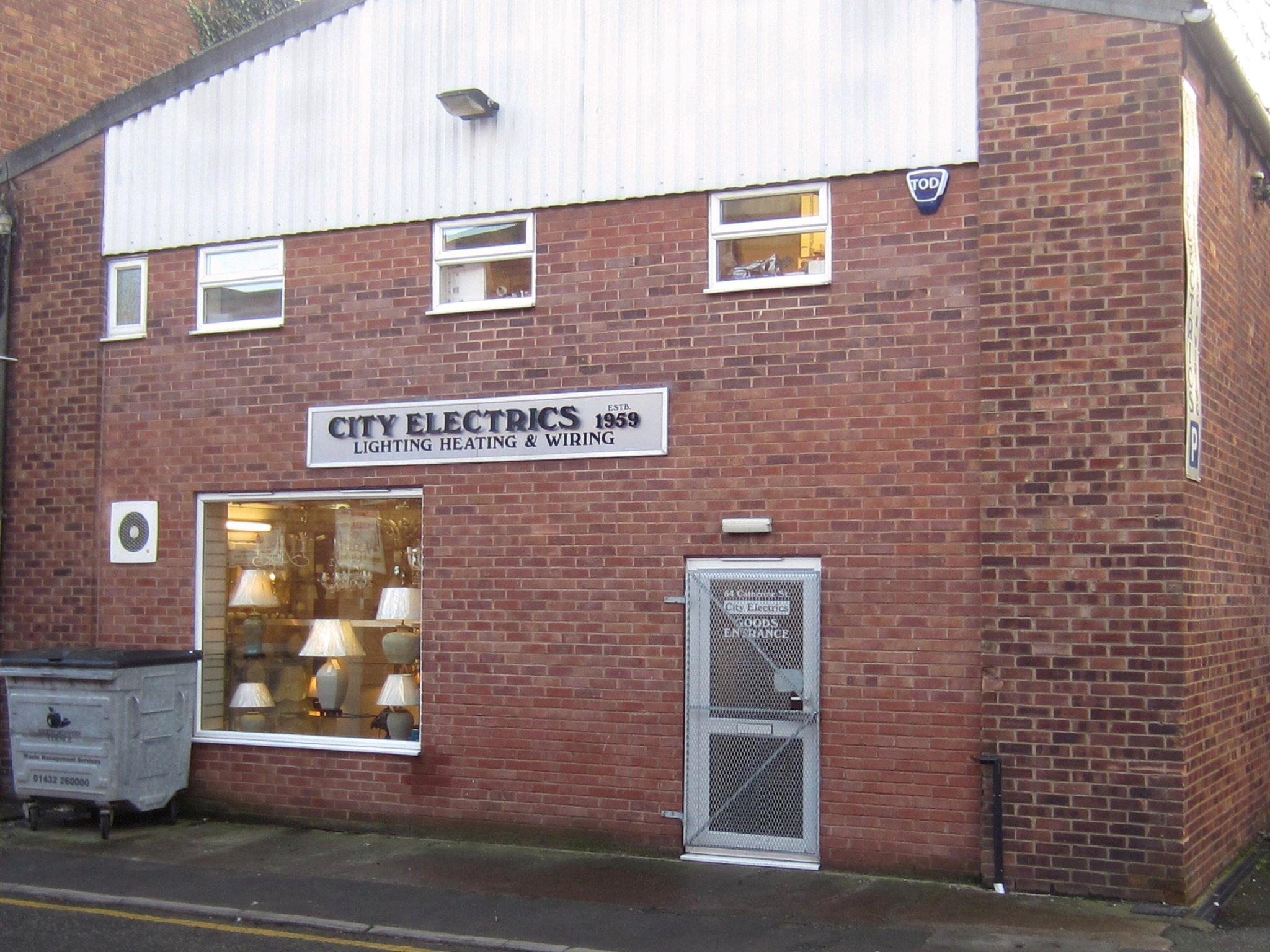 City electrics the lighting shop lighting retailers in for Outlet herford