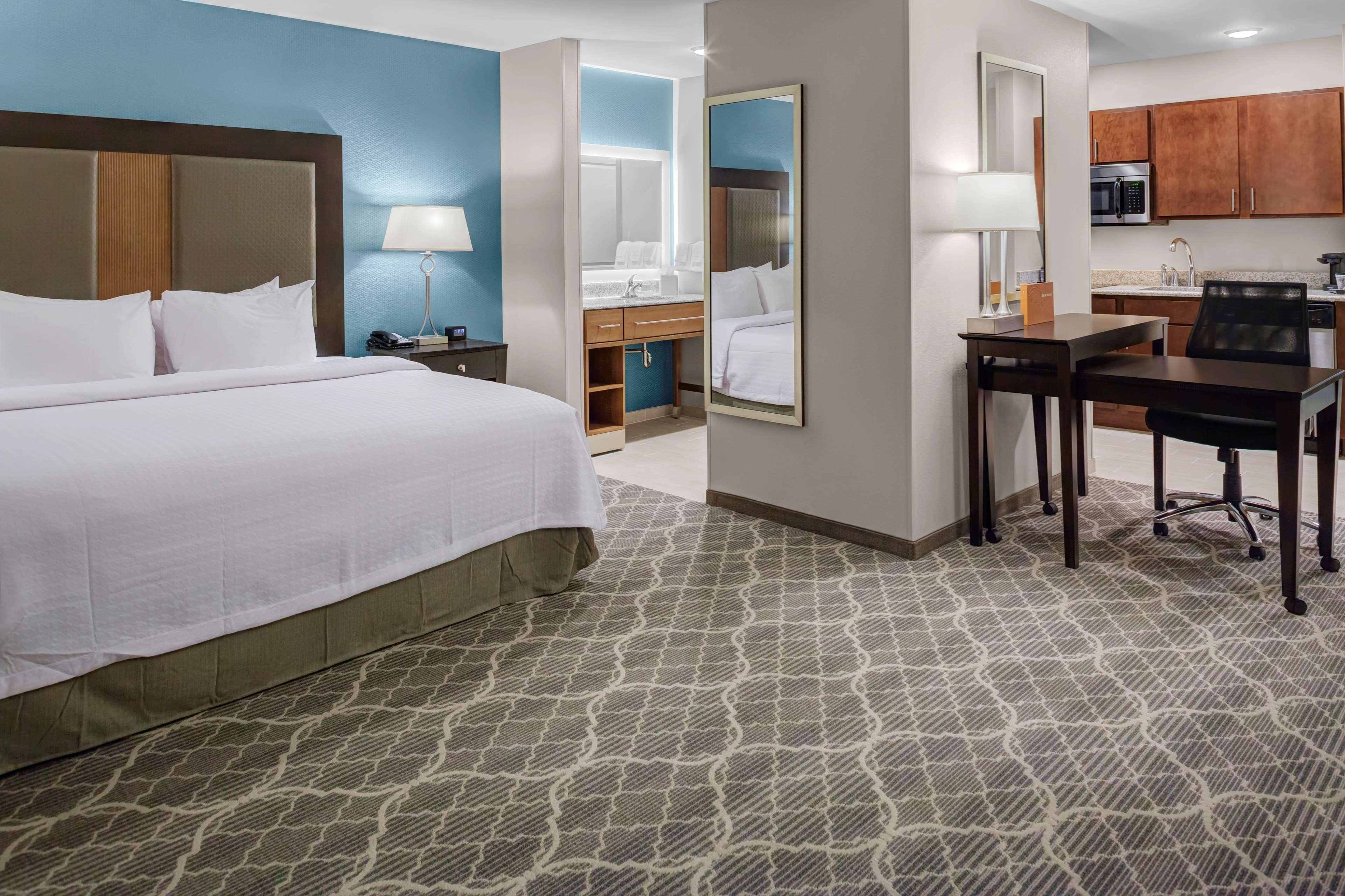 Homewood Suites by Hilton Wauwatosa Milwaukee image 13