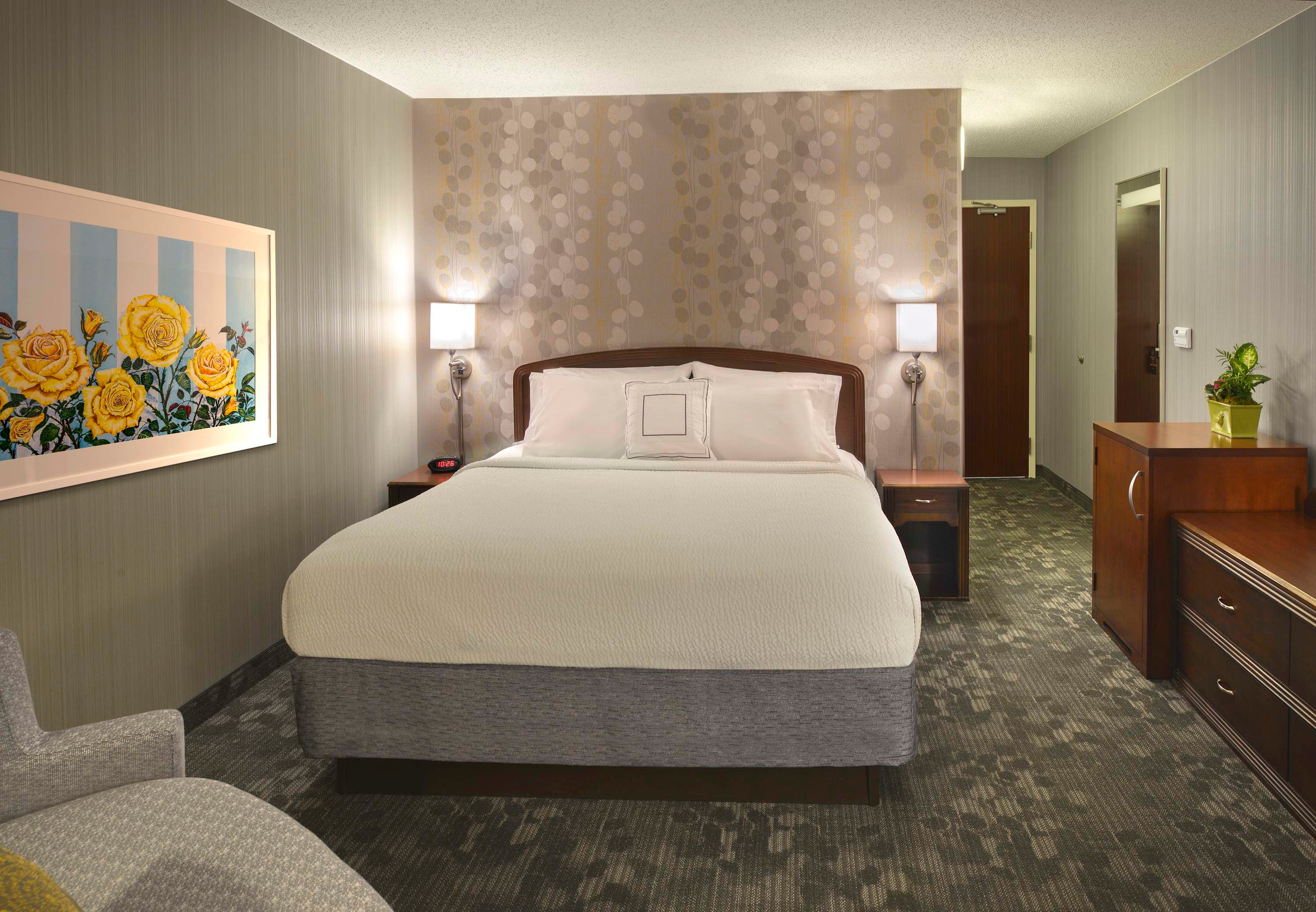 Courtyard by Marriott Grand Rapids Airport image 2