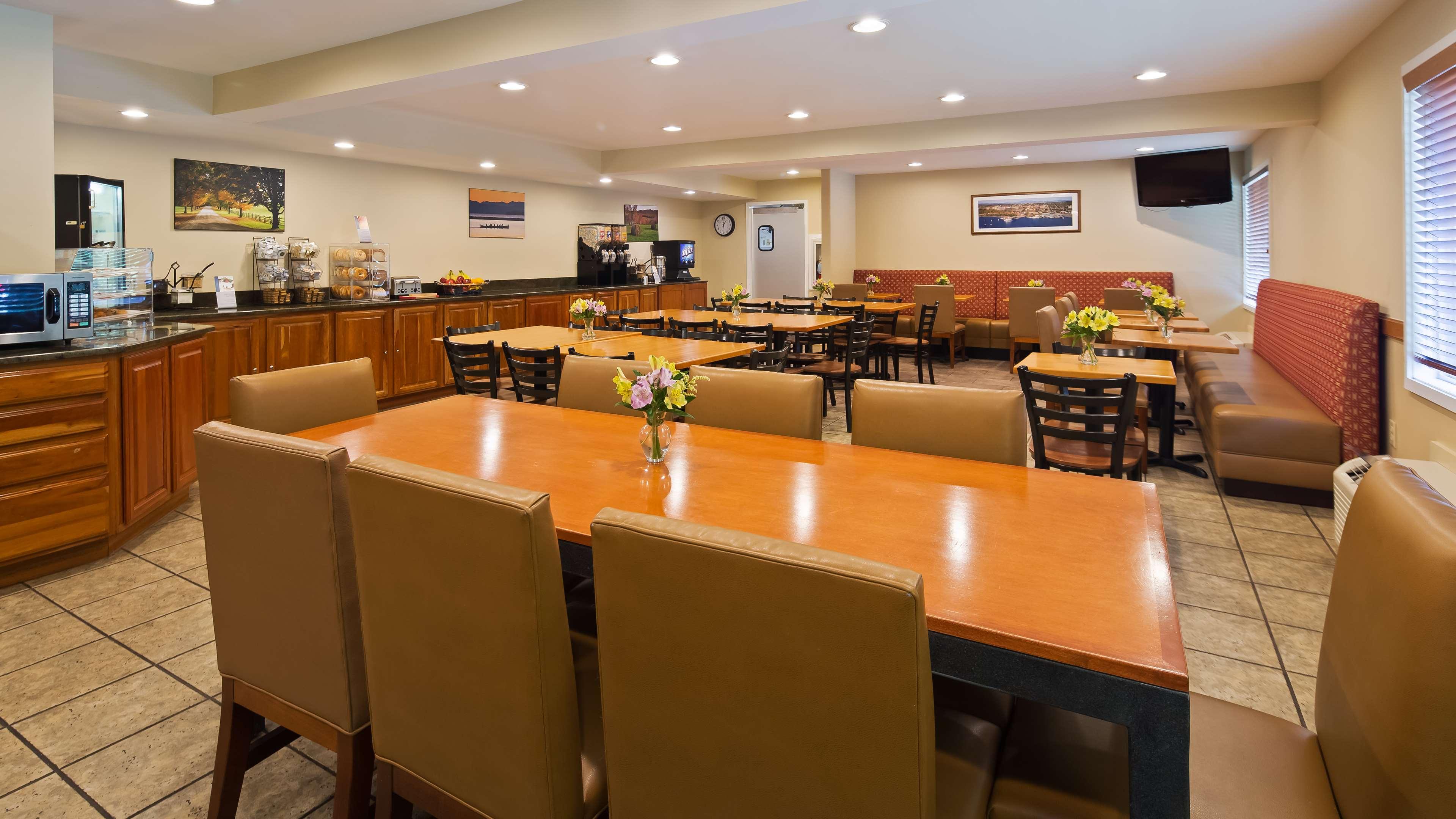 Best Western Plus Windjammer Inn & Conference Center image 3