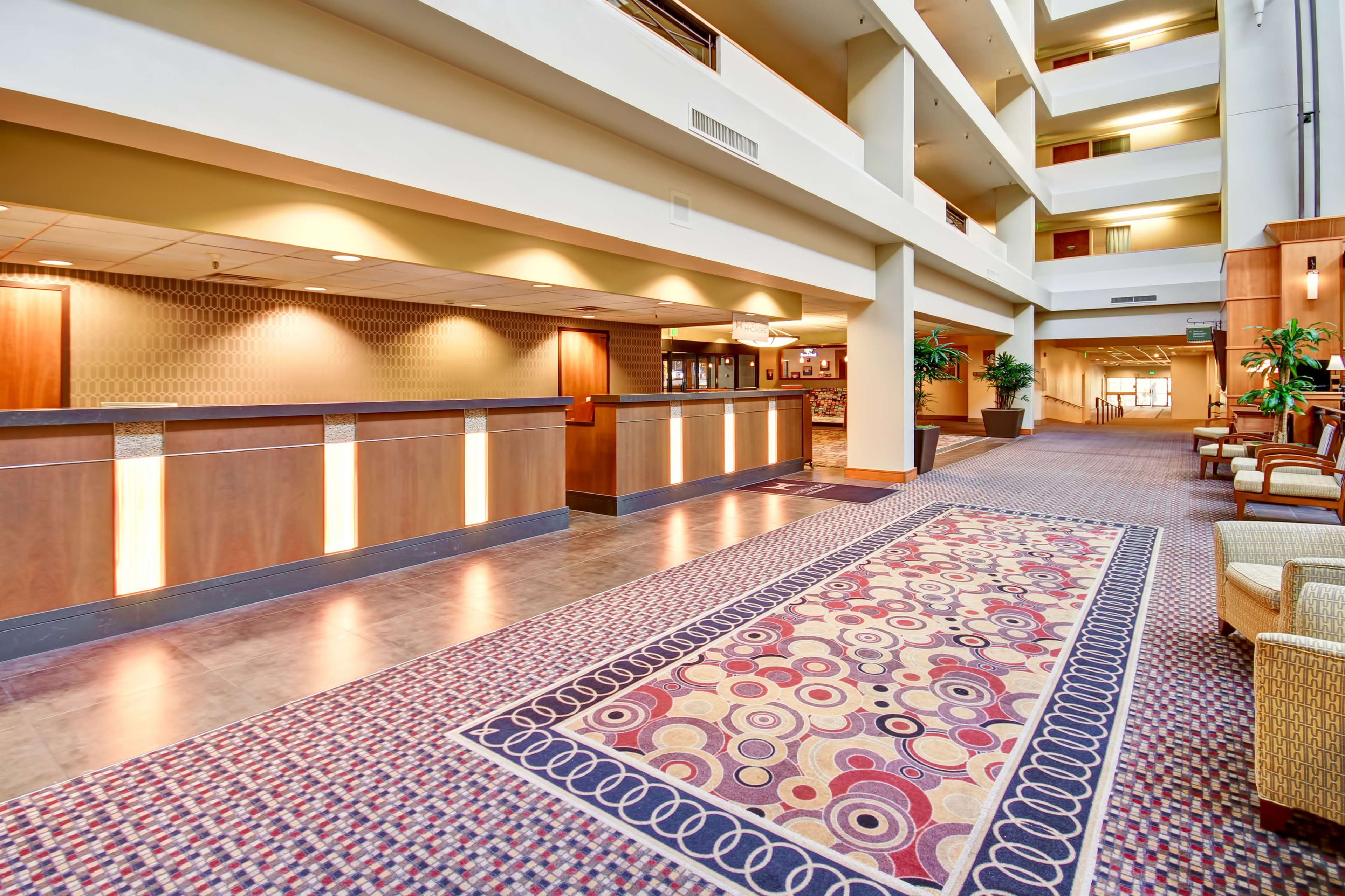 DoubleTree Suites by Hilton Hotel Seattle Airport - Southcenter image 3
