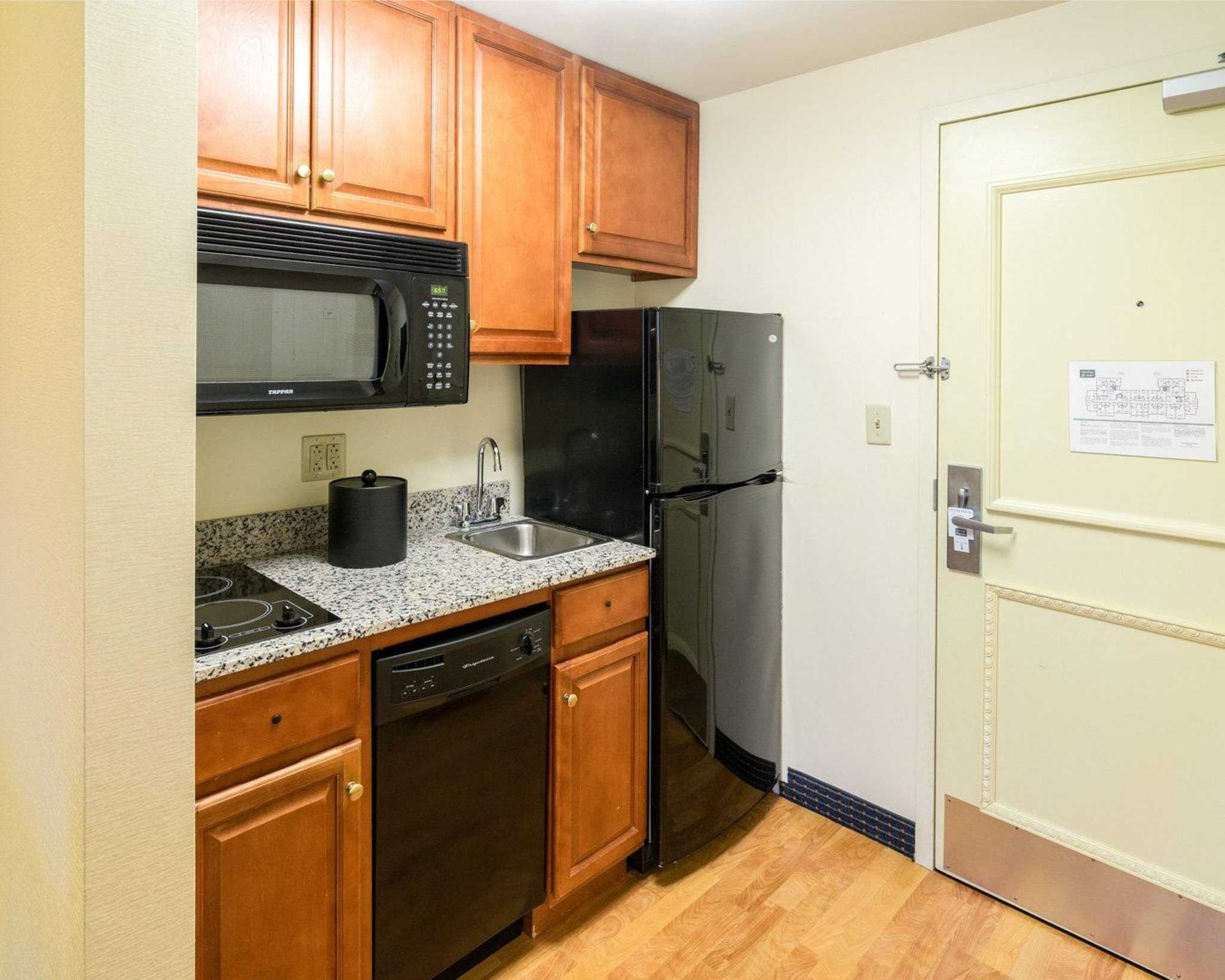 MainStay Suites image 20