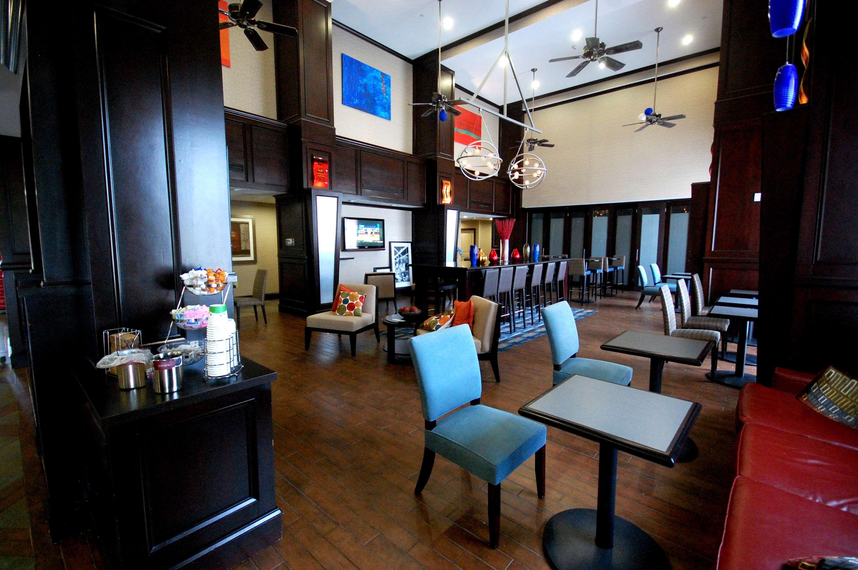 Hampton Inn & Suites Mount Pleasant image 8