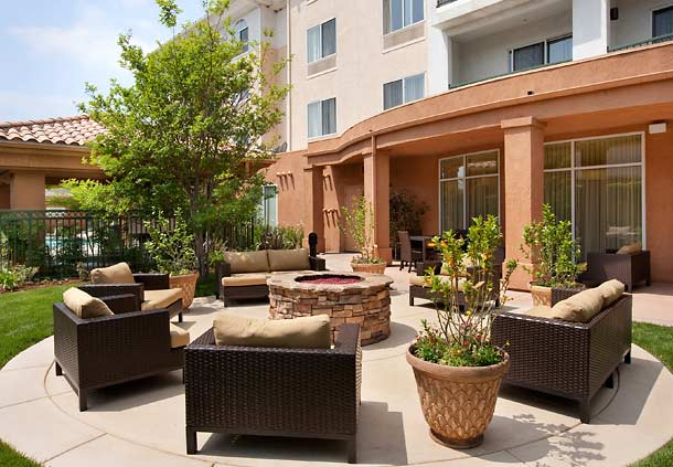Courtyard by Marriott Ventura Simi Valley image 1