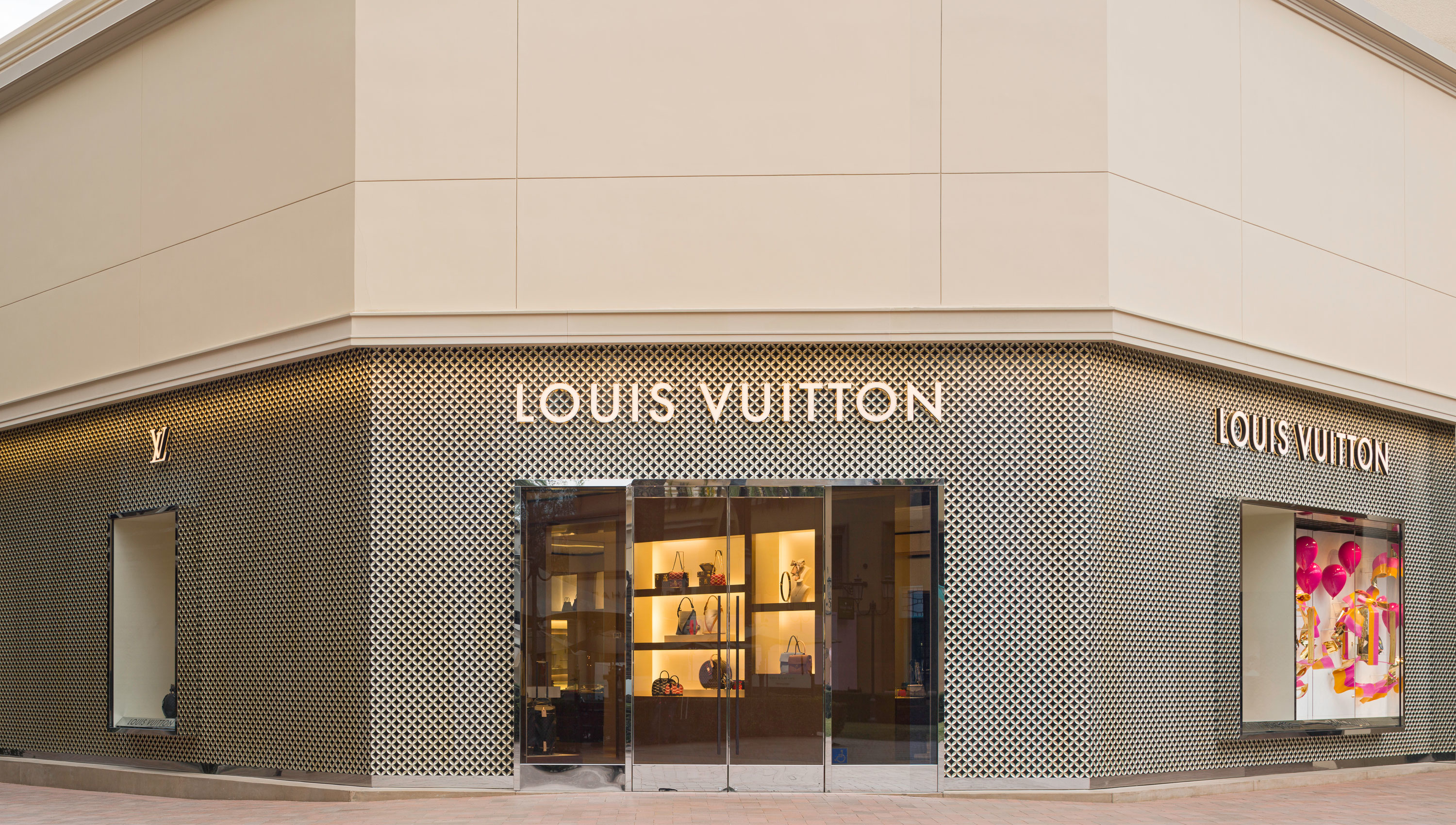 Louis Vuitton Newport Beach Fashion Island Neiman Marcus 601 Center Drive Ca Leather Goods Mapquest