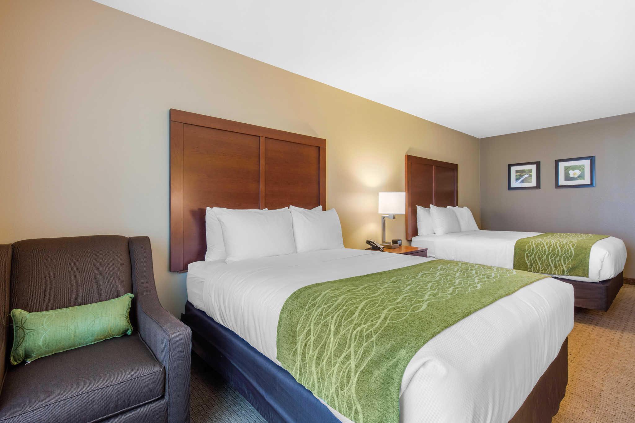 Comfort Inn & Suites At CrossPlex Village