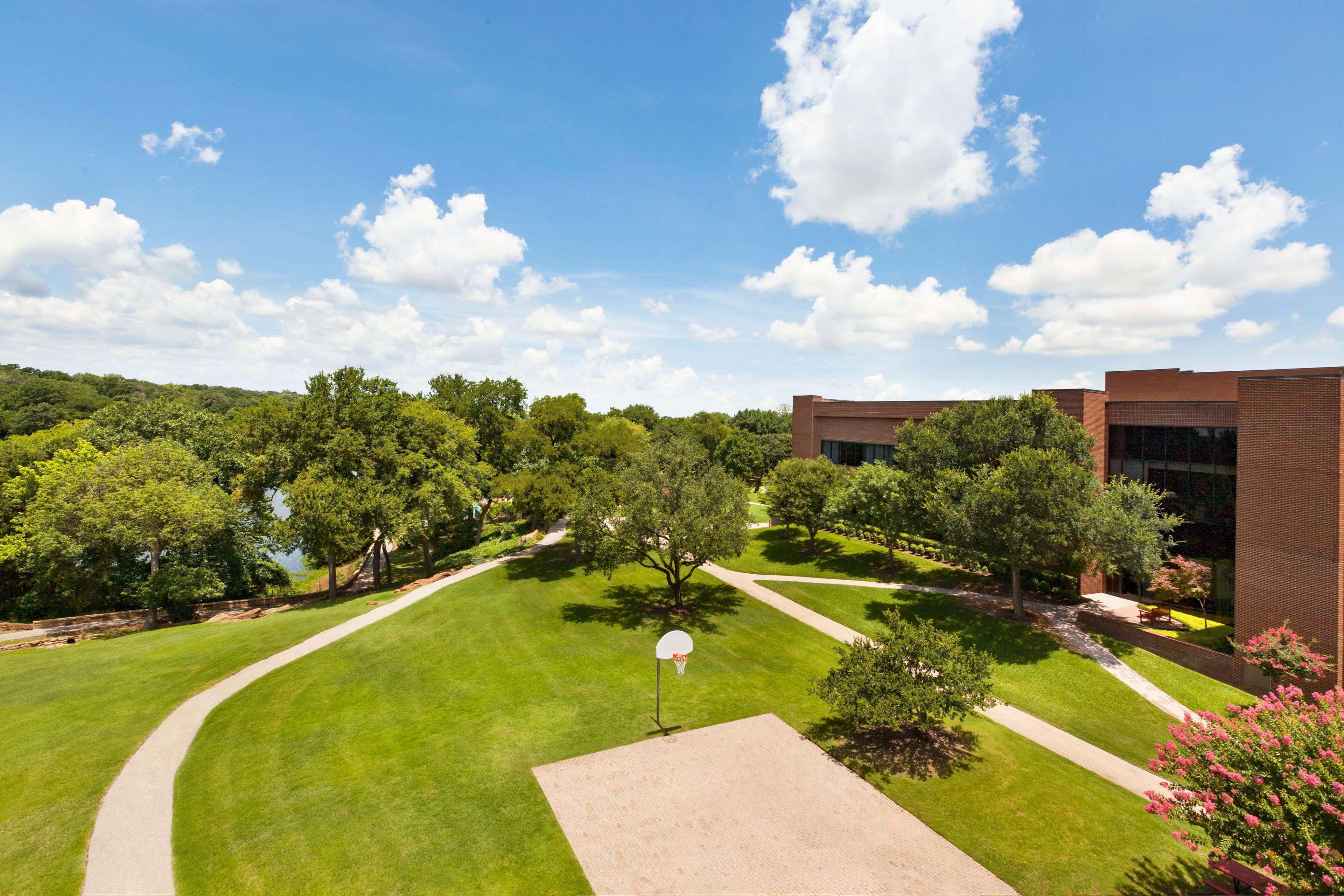 Hilton DFW Lakes Executive Conference Center image 1