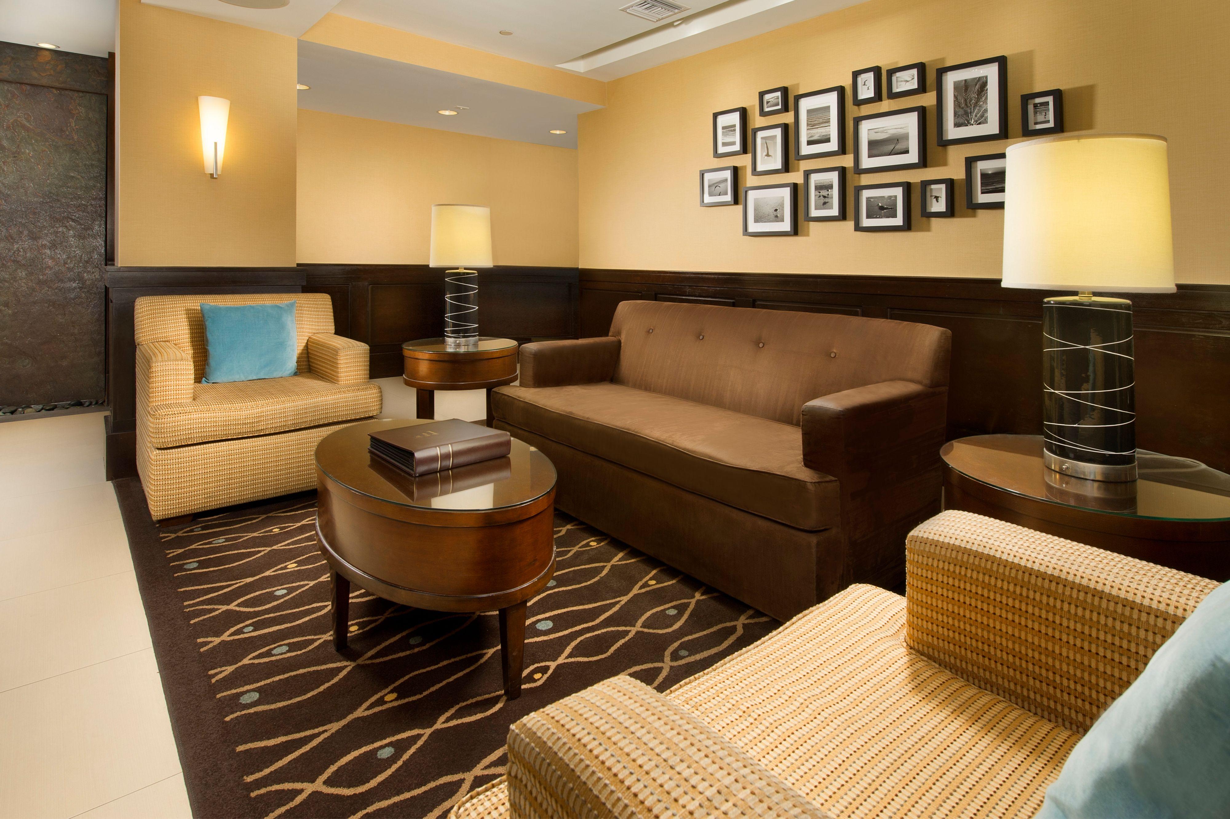 Holiday Inn Express Jacksonville Beach image 5