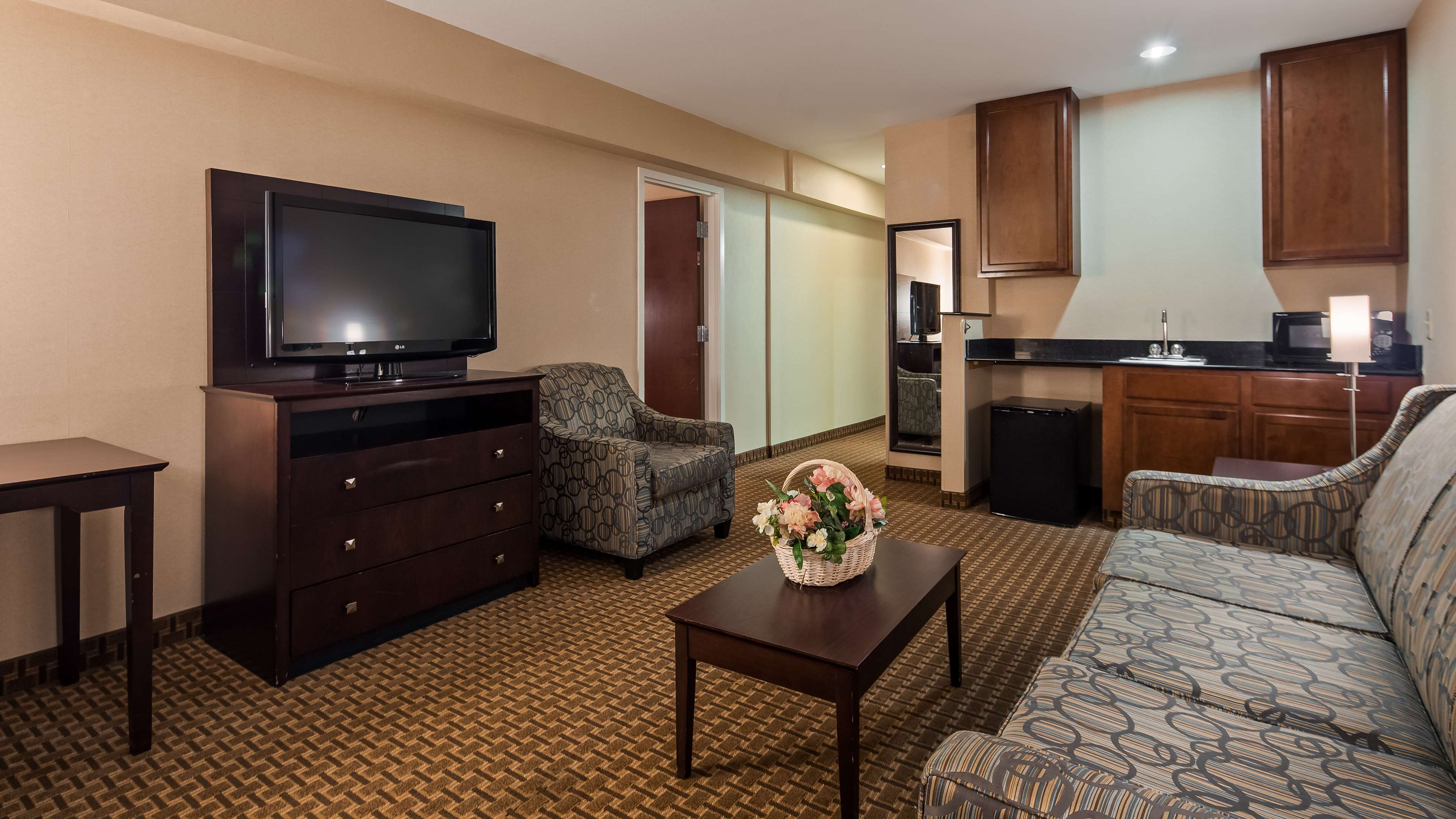 Best Western Concord Inn & Suites image 11