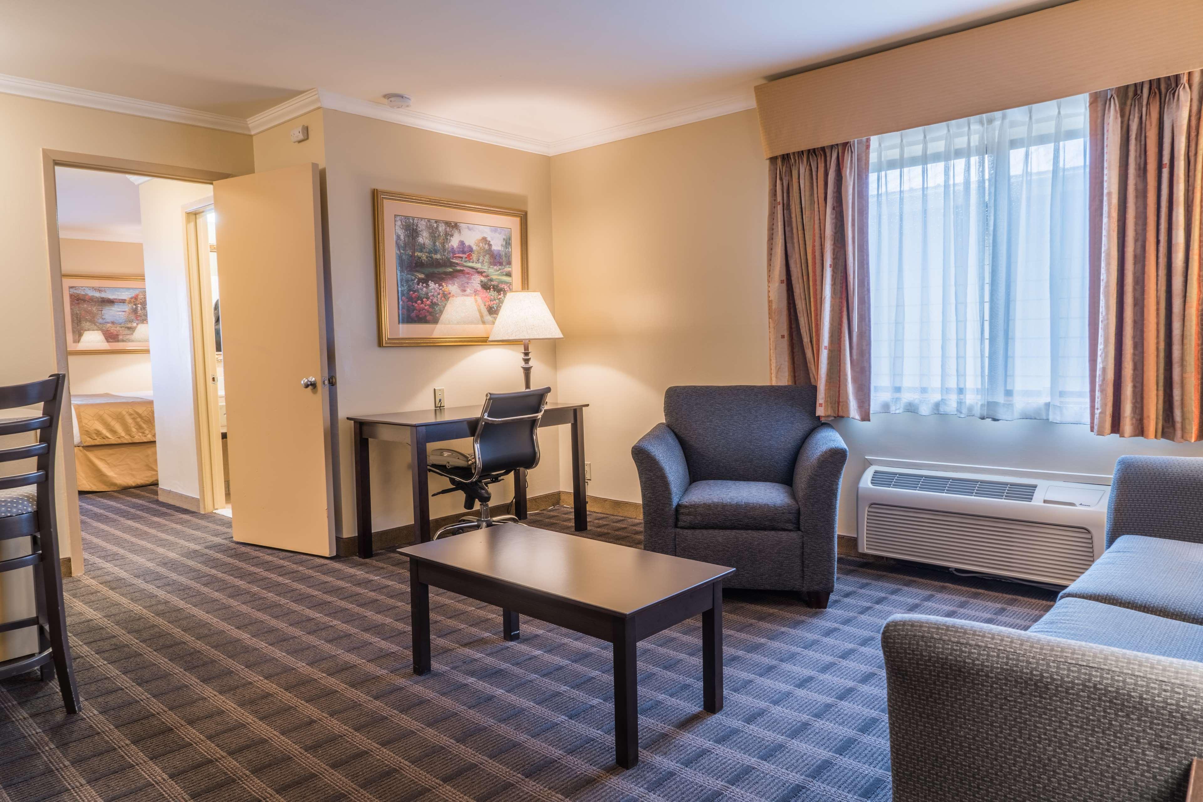 Best Western Inn & Suites image 7