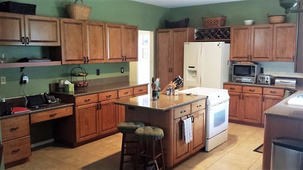 Re-A-Door Kitchen Cabinet Refacing | Free Estimates Tampa, Valrico