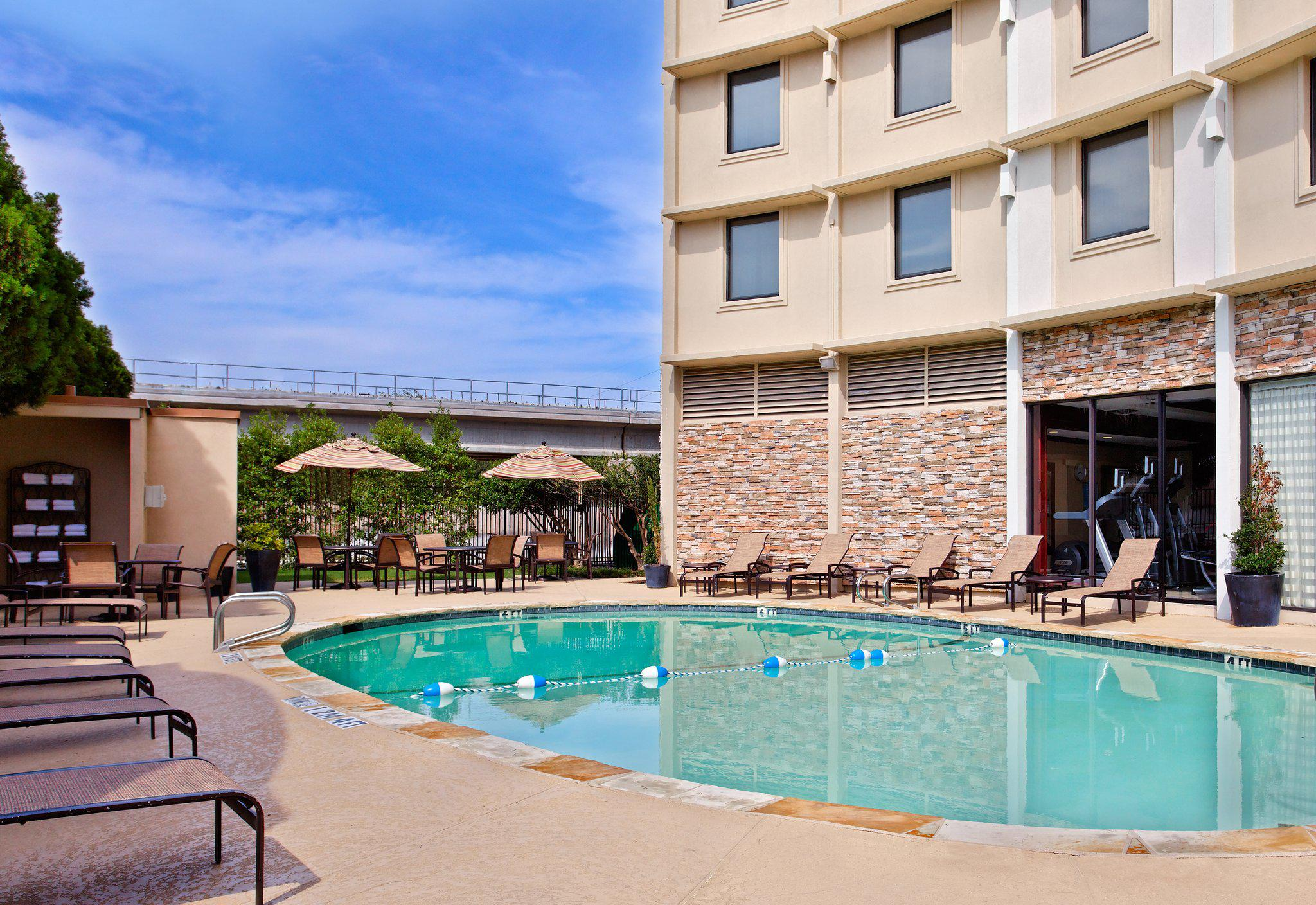 Holiday Inn Dallas Market Center, an IHG Hotel