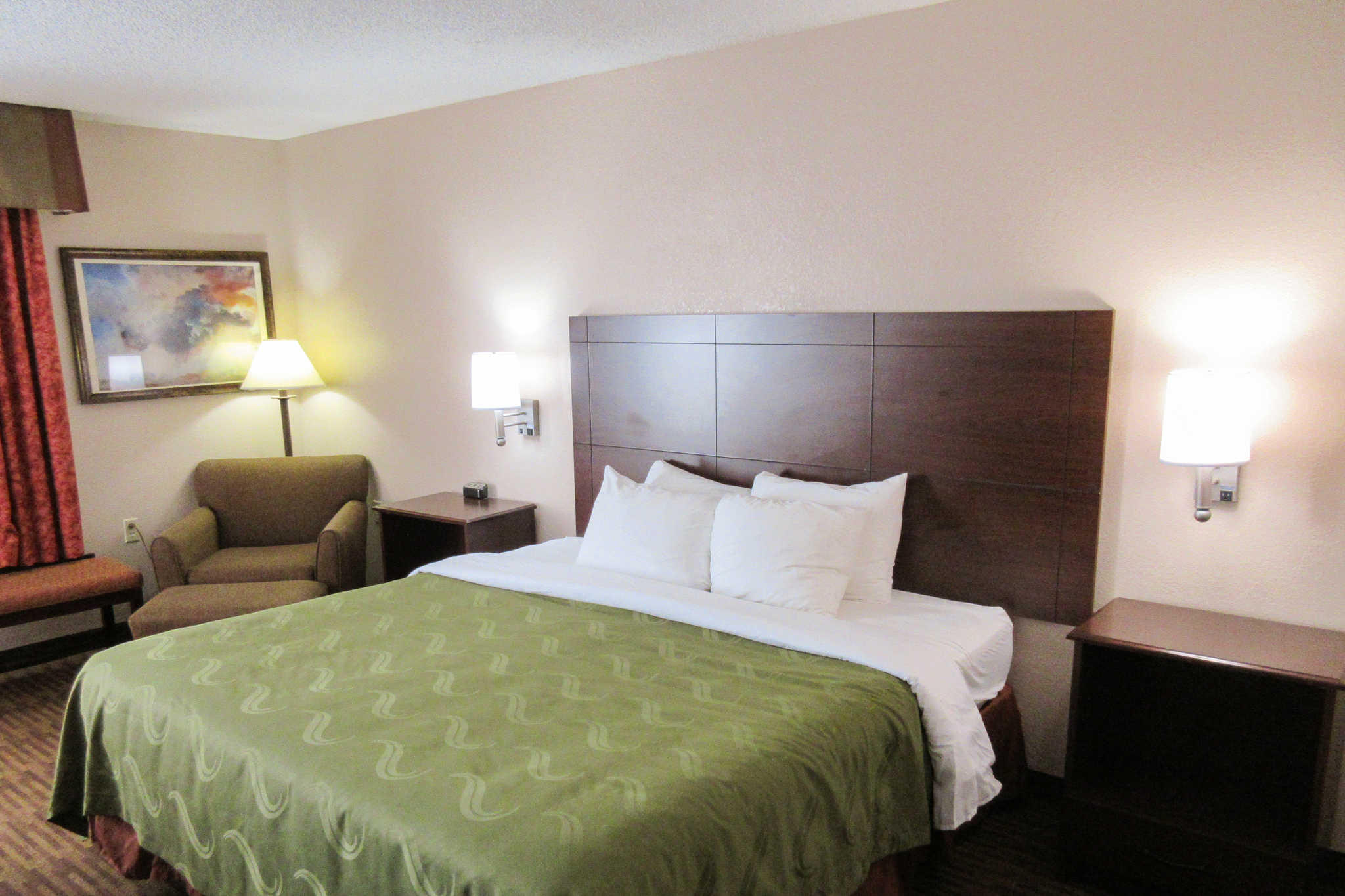 Quality Inn & Suites Lawrence - University Area image 5