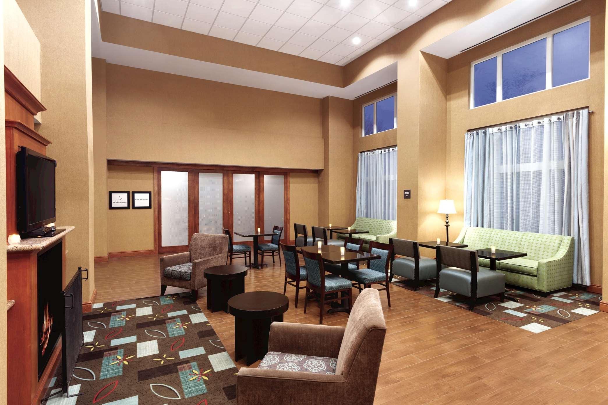Hampton Inn & Suites Greenfield image 33